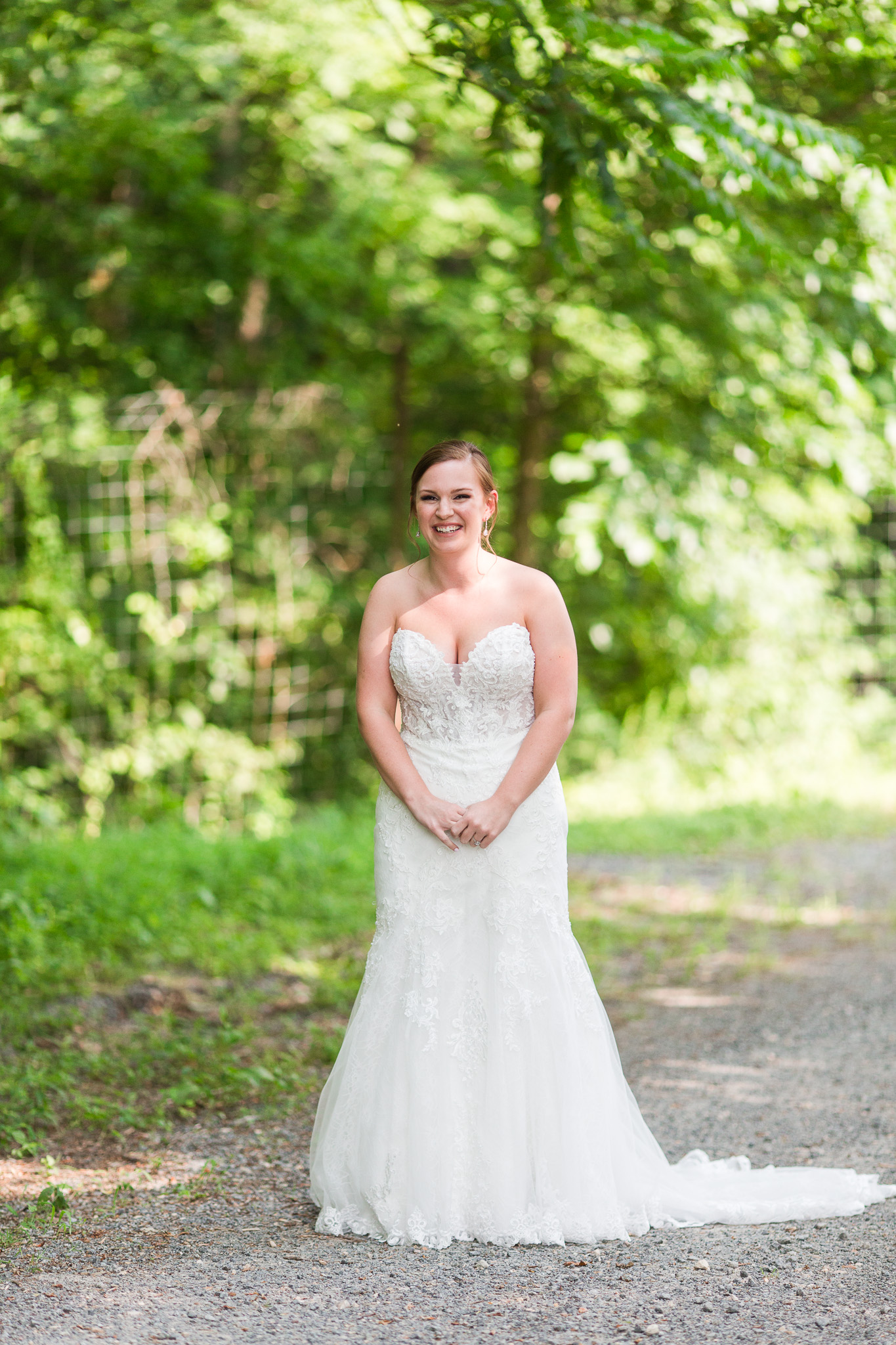 Delfosse Winery Wedding || Charlottesville Vineyard Wedding || Central VA Wedding Photographer || www.ashleyeiban.com