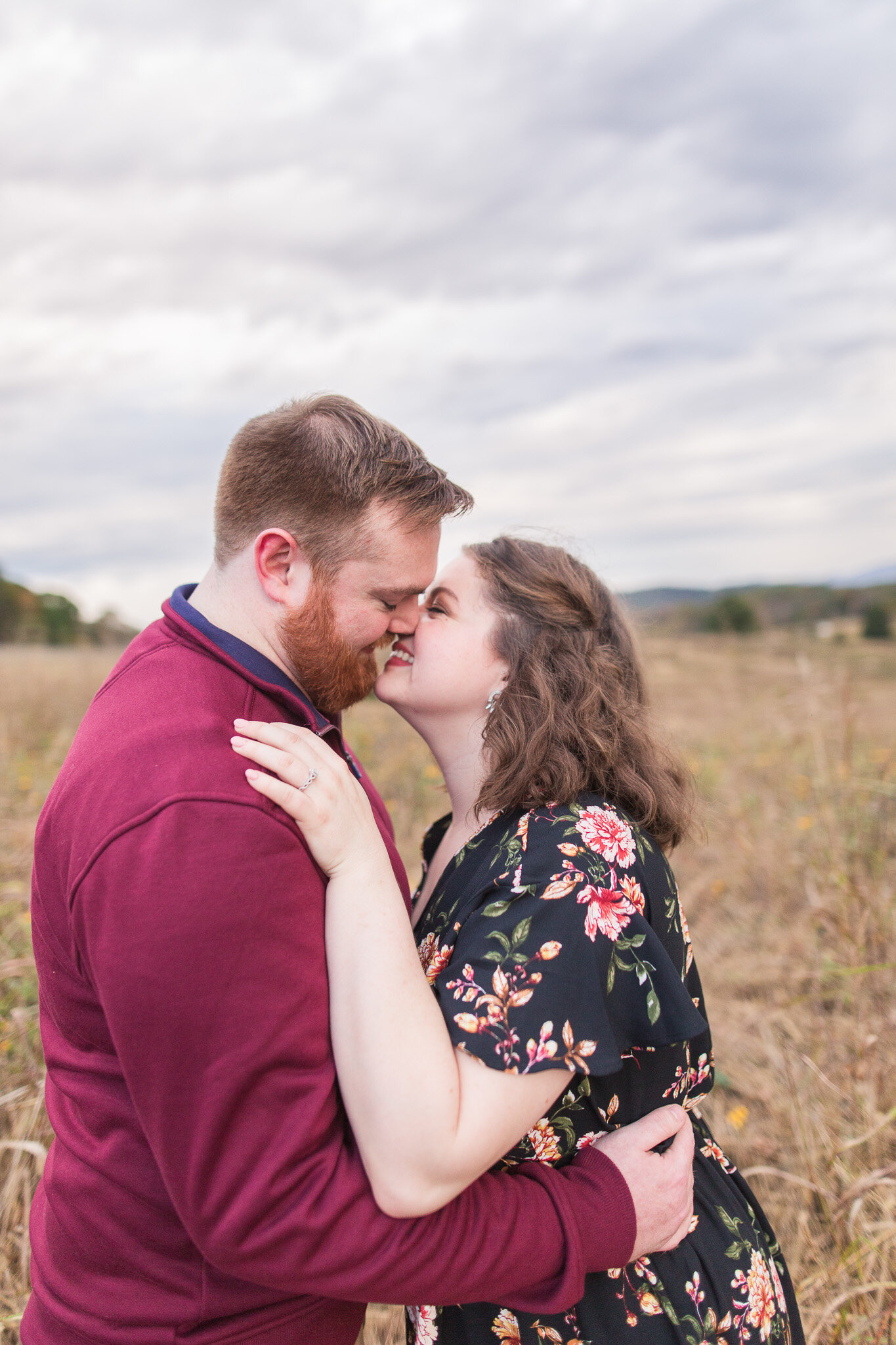 Fall Mountain View Engagement Session || Lynchburg, Virginia Wedding and Engagement Photographer || Sweet Briar College Engagement Photos