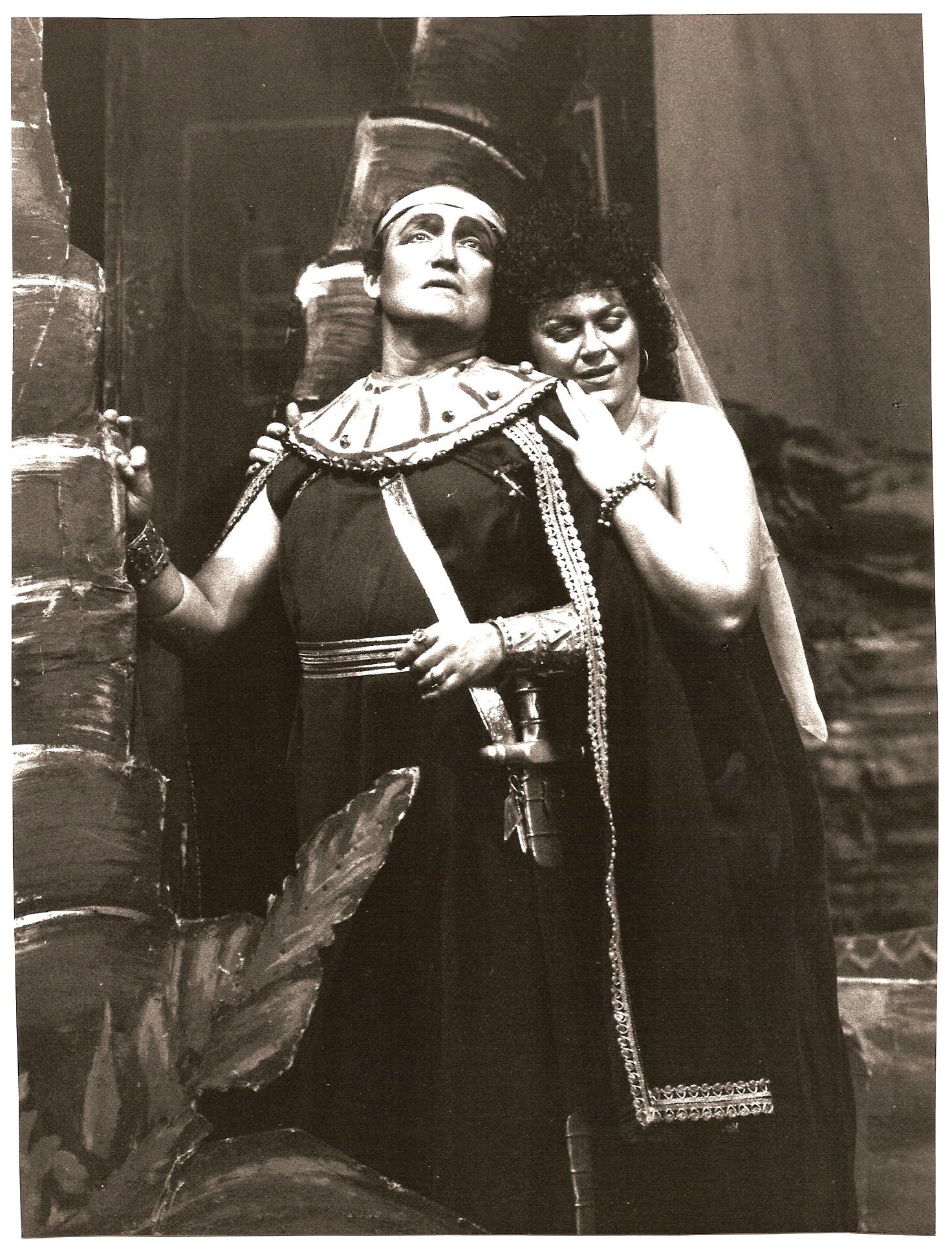 Aida  Act 2 Nile Scene.jpg