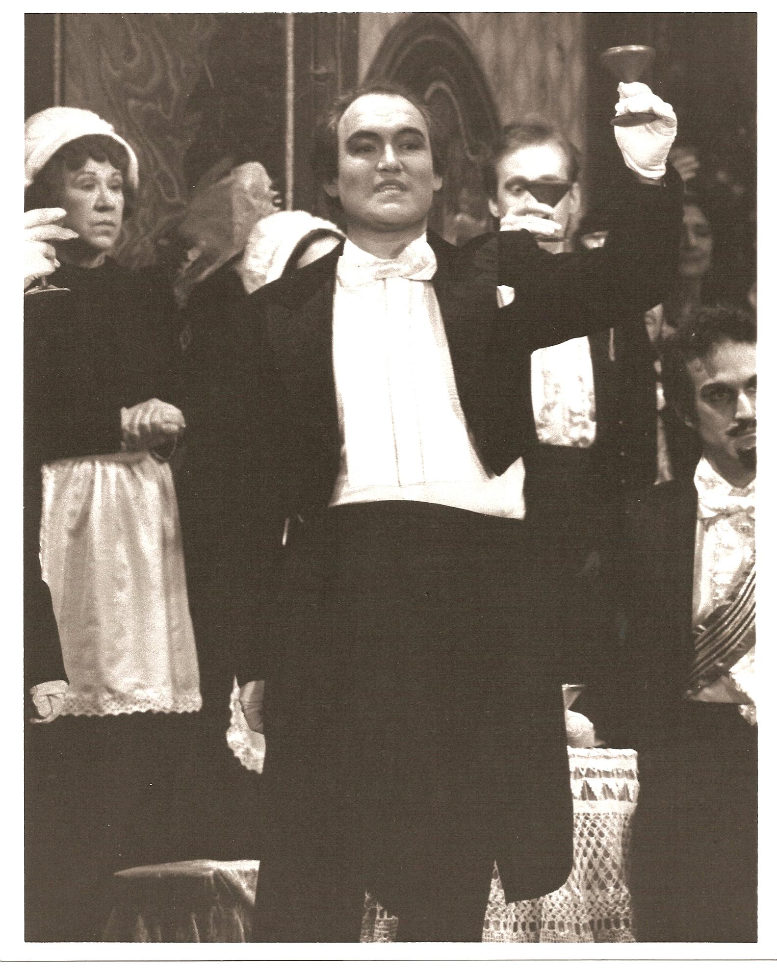 Traviata Act 1 Brindisi.jpg