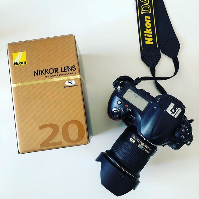Willkommen 💁🏻‍♂️🤓 . #nikkor #glass #20mm #aperture #landscapephotography #nseries #dslr #fastlens #gear #camgear #d4 #camera #gear #nikon # #nicelens #wideangle #widelens #focallength #photomotivation