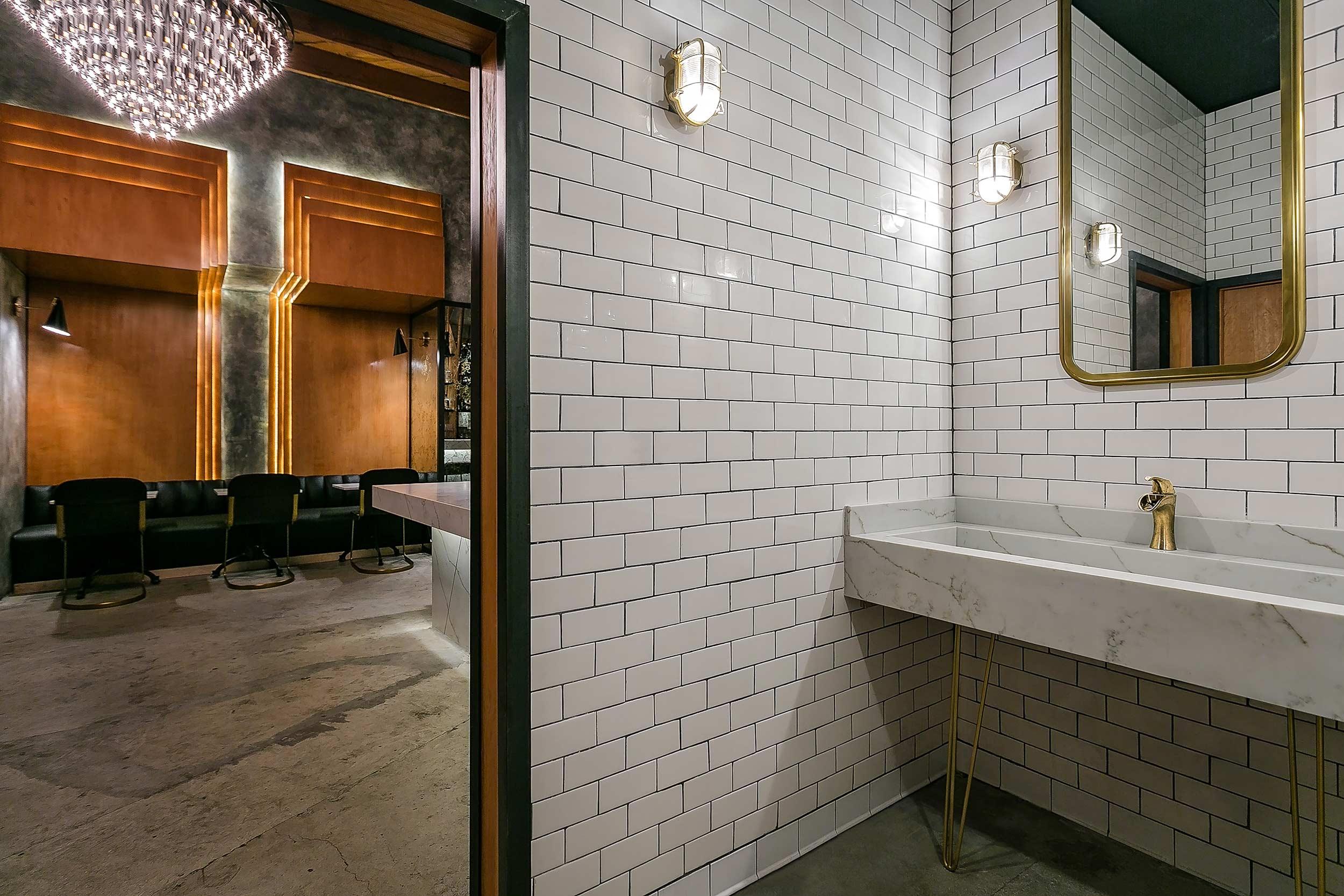 archillusion-design-melrose-station-restaurant-bar-public-restroom-entry.jpg
