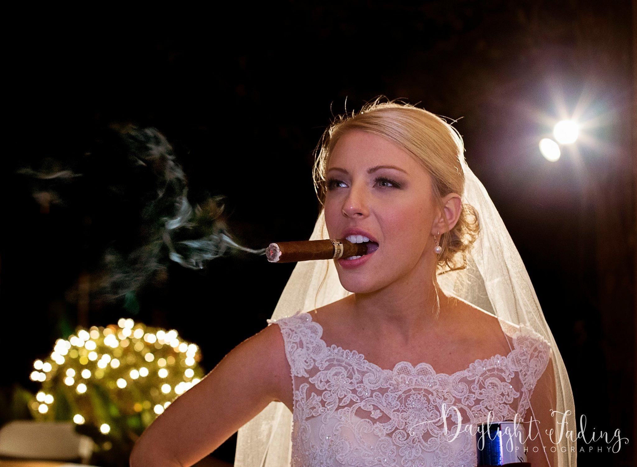 Fearless Bride at Creekwood Gardens, Louisiana - daylightfadingphotography.com