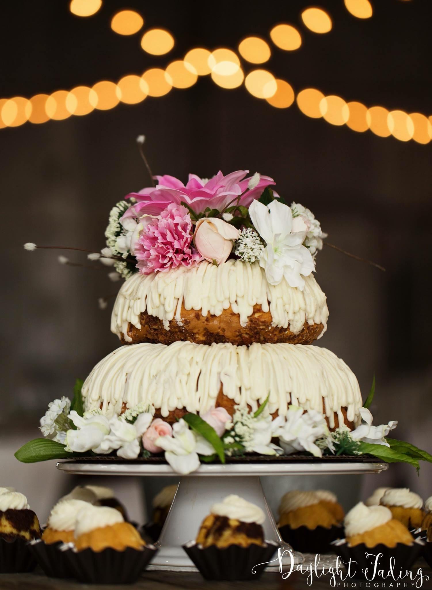 Nothing Bundt Cakes Wedding Cake and Cupcakes at Dixie Gin in Shreveport, Louisiana - daylightfadingphotography.com