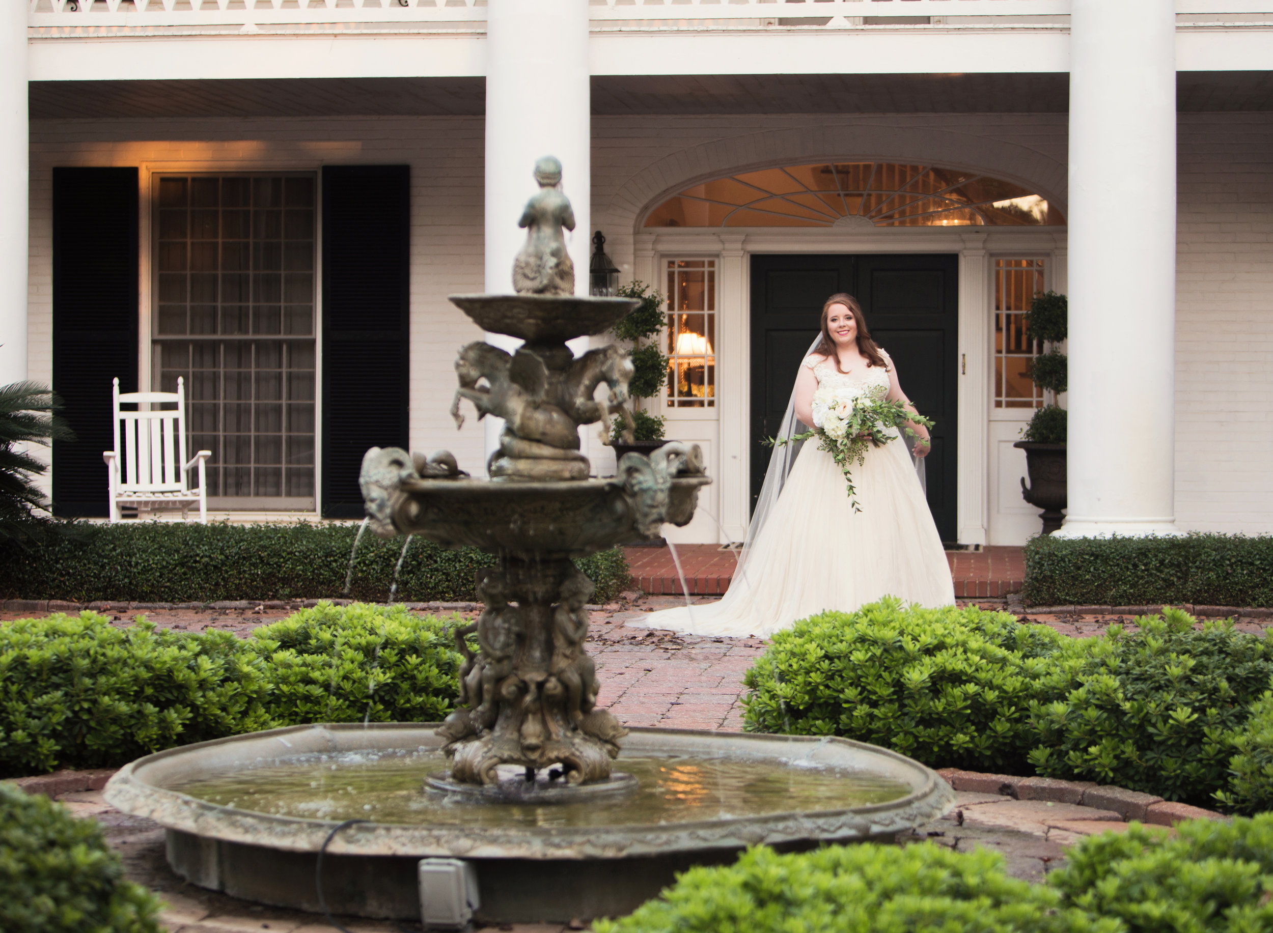 Bridal Portrait at CedarCroft Plantation near Shreveport, Louisiana