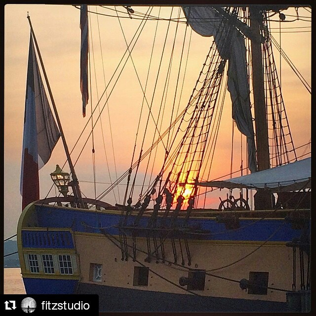 #Repost @fitzstudio #tbt ・・・ #Sunrise on the #Potomac in #OldTownAlexandria - view of the #stern of the #Hermione as the #sun came through the riggings #morningwanders #Virginia #lines #details #designlife #designmatters #itsthelittlethings #Hermione2015 #structure #sails #ship #France