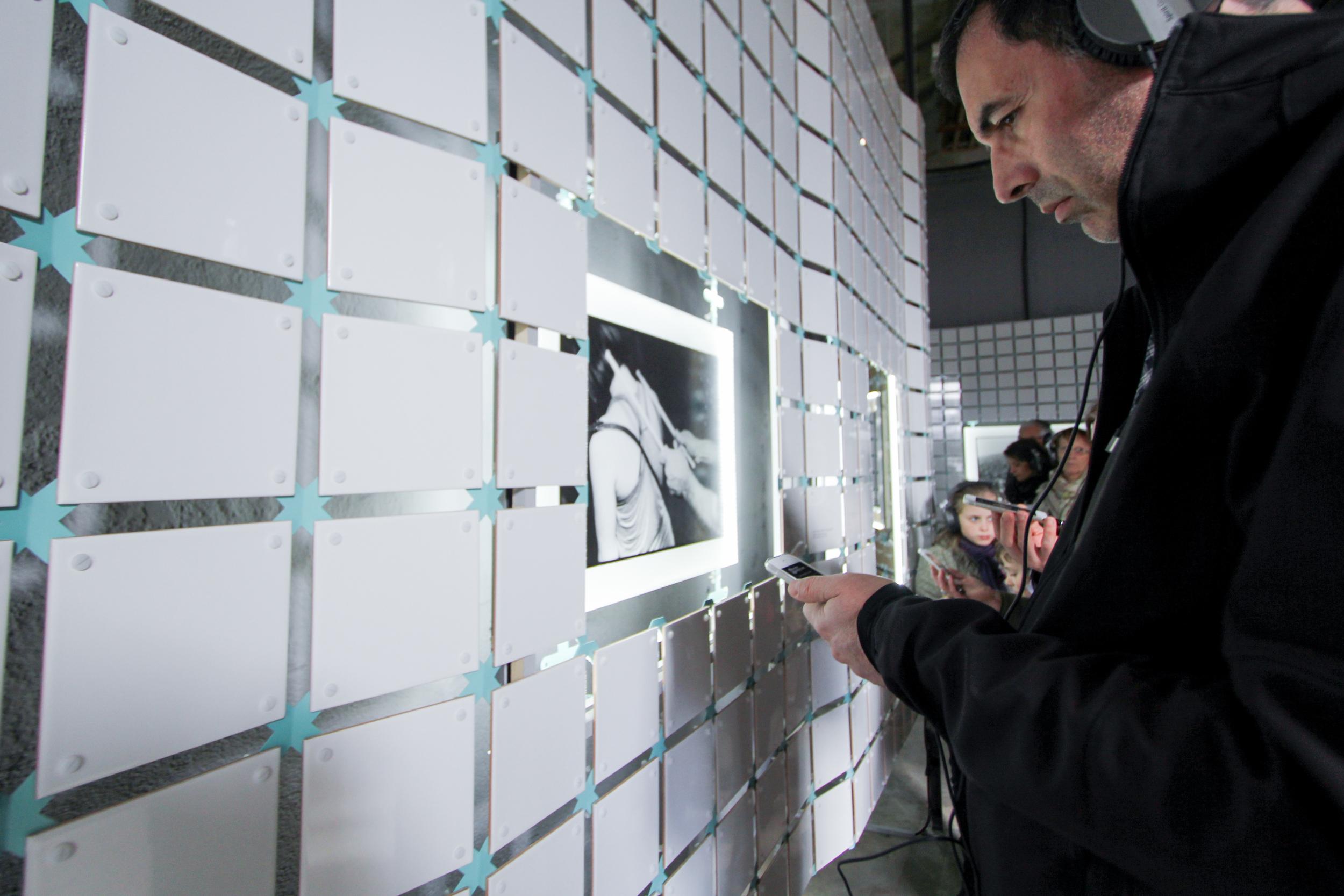 User exploring the senses. Réserve Deboussolée,  Biennale Design Saint Étienne  .image ©futurecrafter