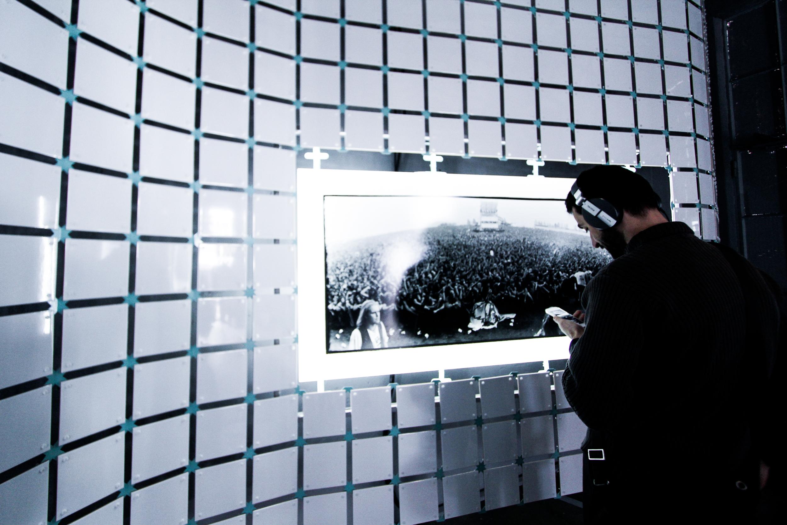 User exploring the musics.Réserve Deboussolée,Biennale Design Saint Étienne  .image ©futurecrafter