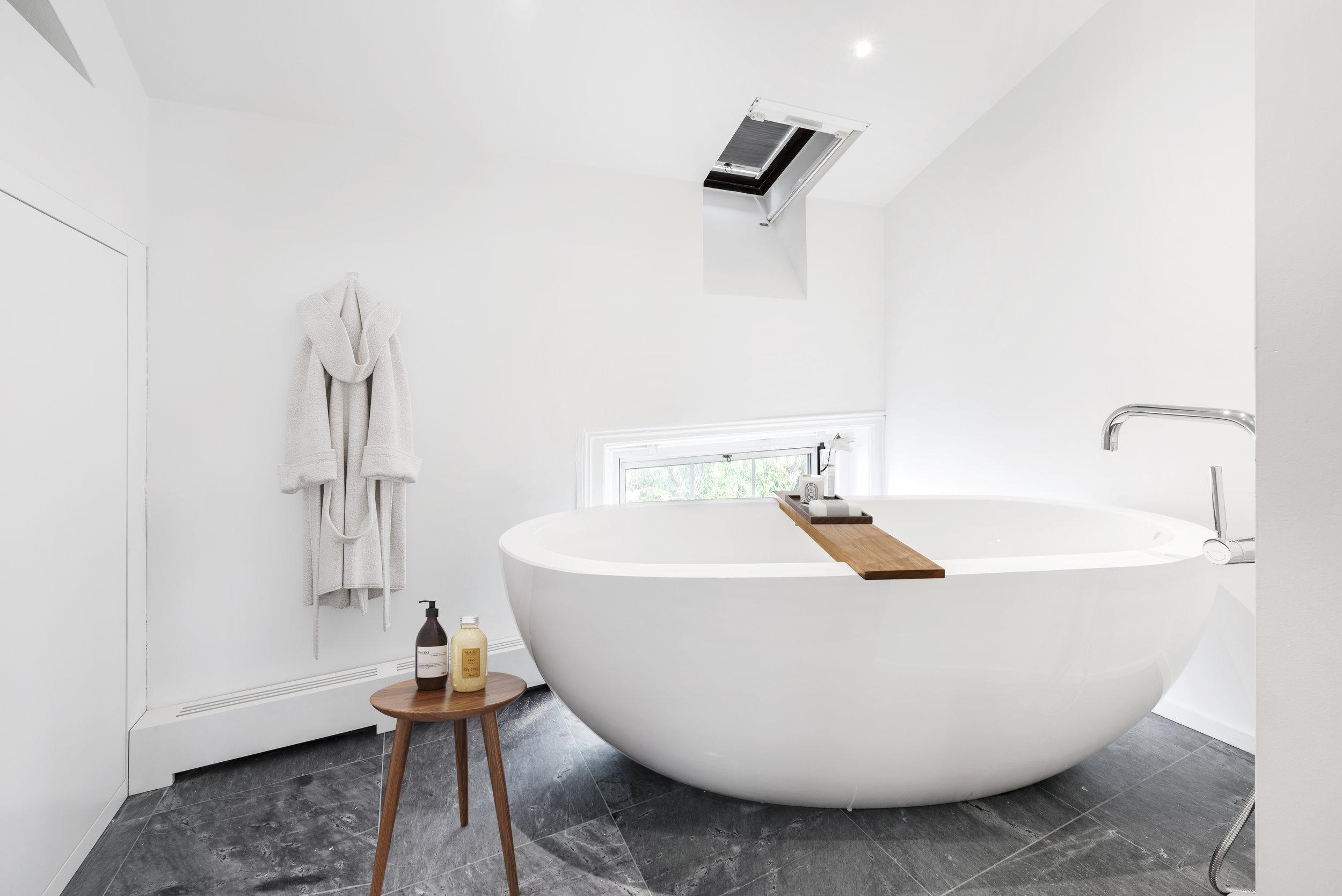 master-bathroom-2-by-bolster-SMART-renovation.jpg