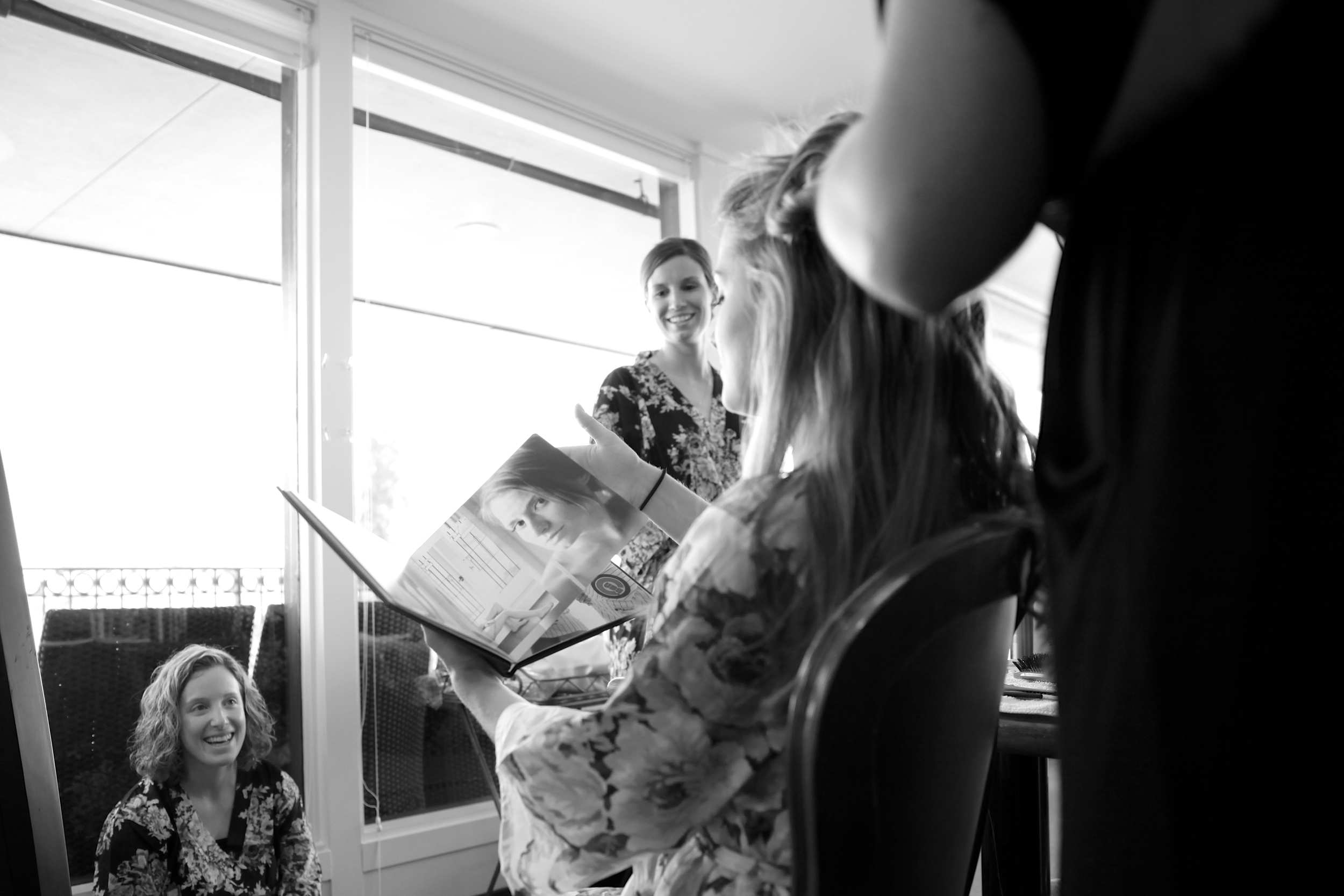 seattle wedding photographer sand point sandpoint country club golf course magnuson park engagement bride groom getting ready