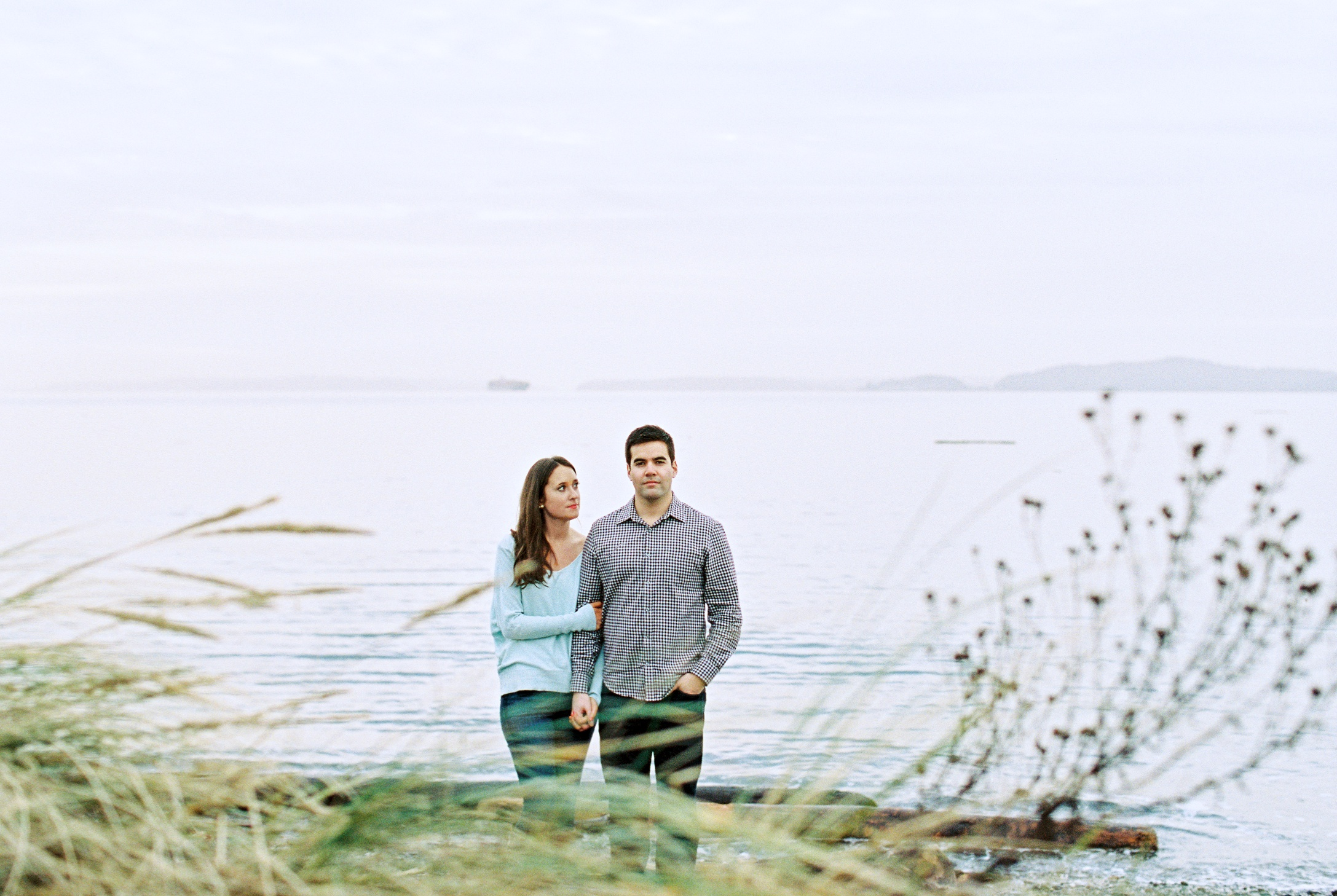 seattle engagement wedding photographer discovery park seattle film photographer