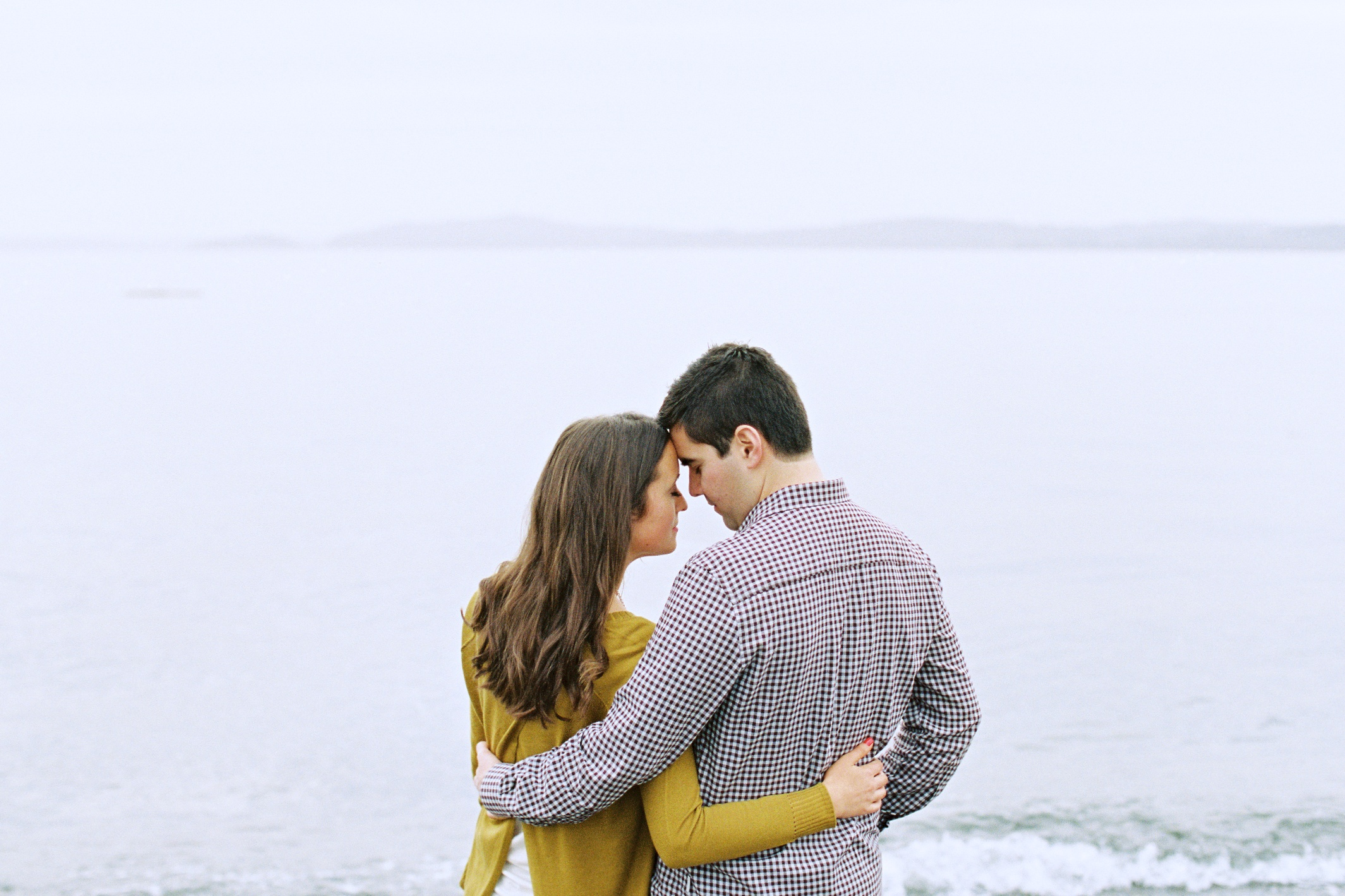 seattle engagement wedding photographer discovery park seattle film photographer pudget sound