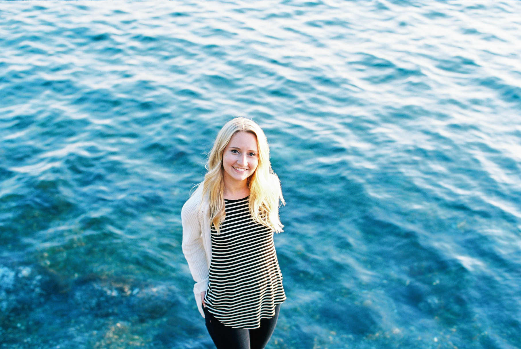 seattle film photographer senior pictures photos alki beach west seattle ocean canon kodak ektar 100 film
