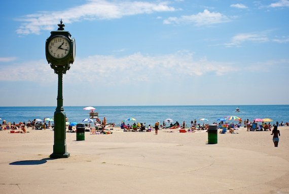 beach_near_ny_date_galore_mag_3.jpg