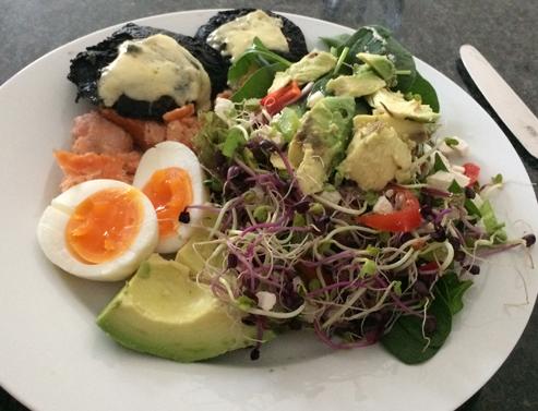 low-carb-high-fat-salad