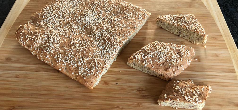 sesame-low-carb-bread.png