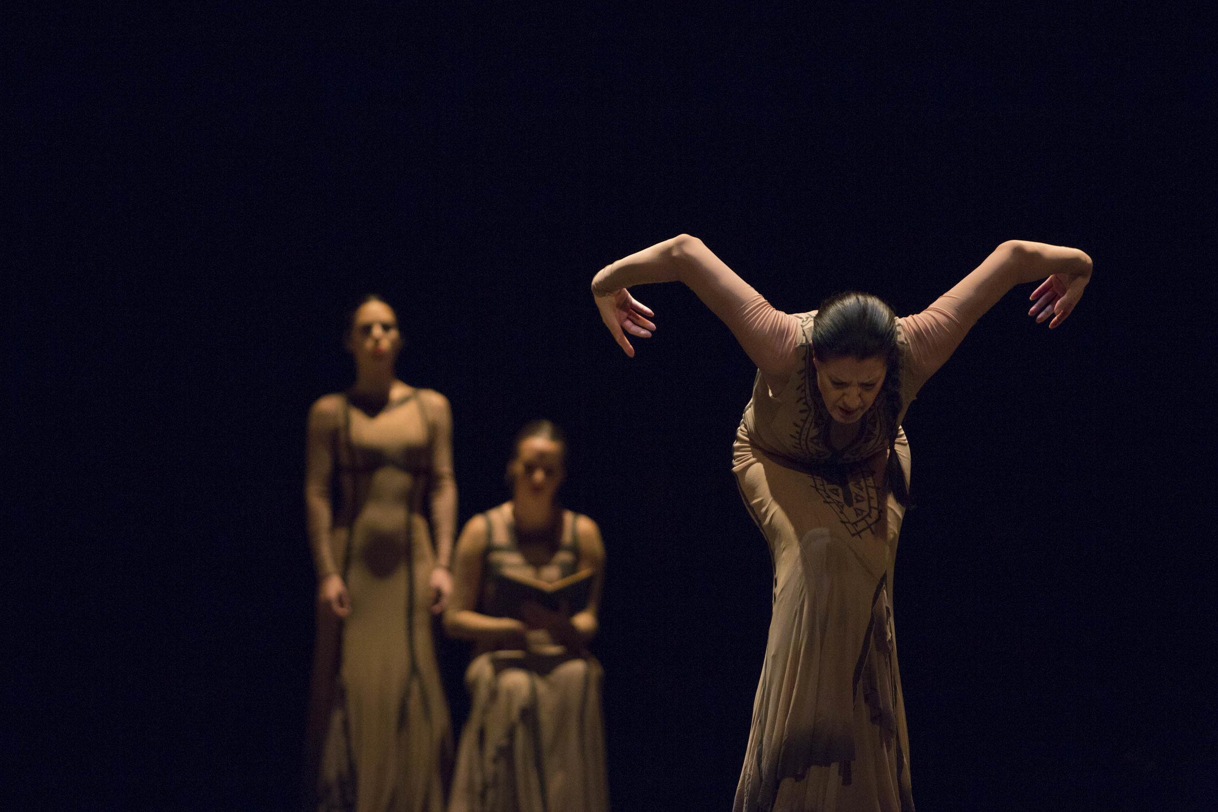 Yo,Carmen 12.8.17 © Beth Chalmers3.jpg