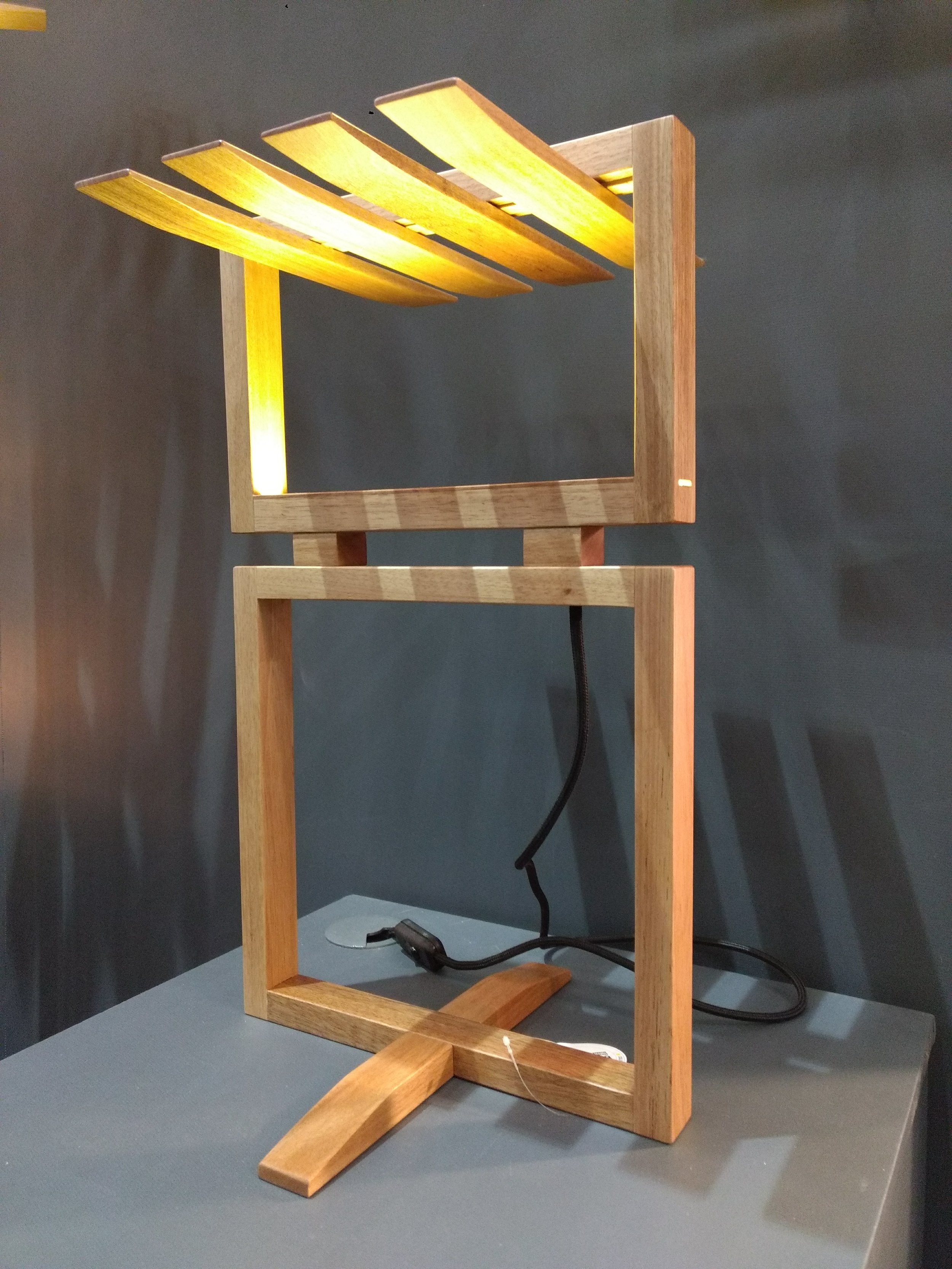 Luminária Ripa de Mesa