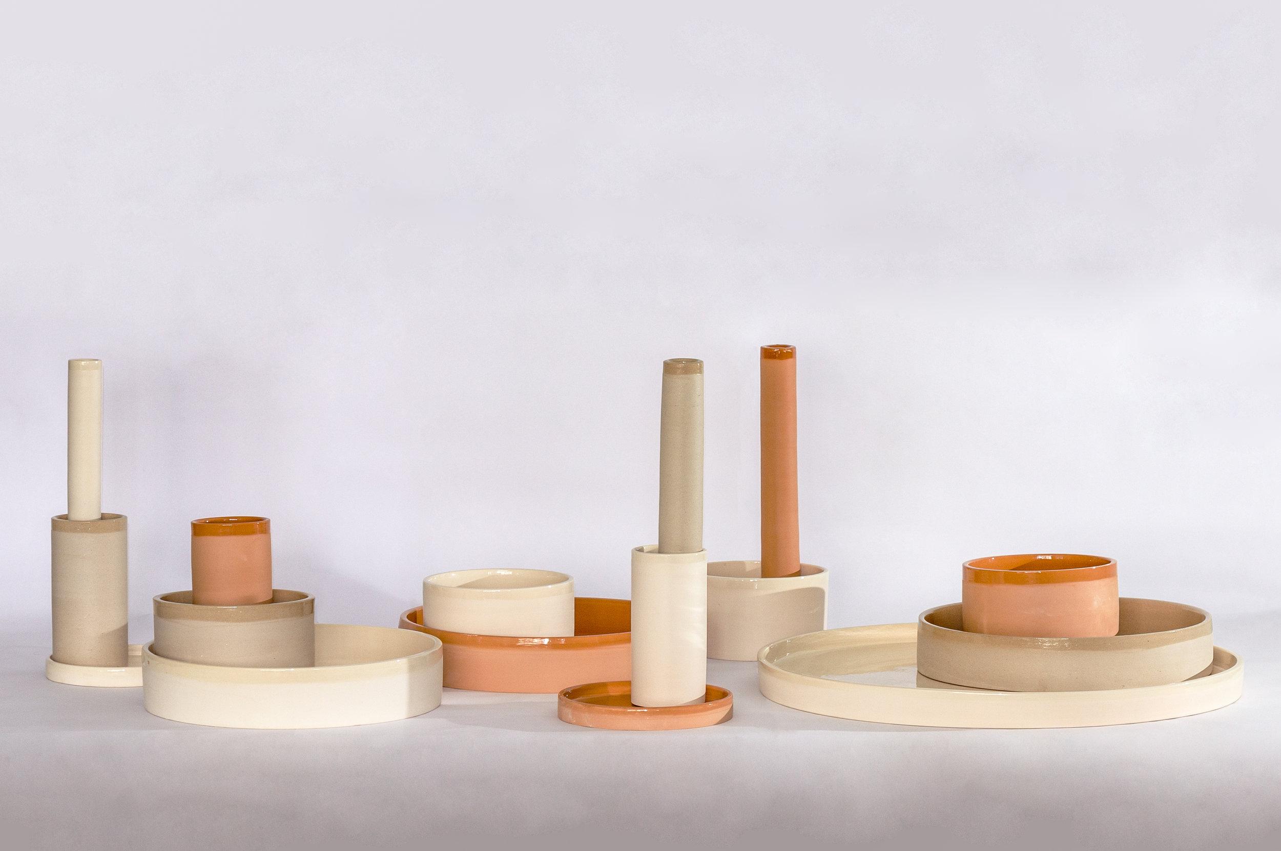 Vasos Coleção Aterrário em argila cor branca, tabaco e terracota.