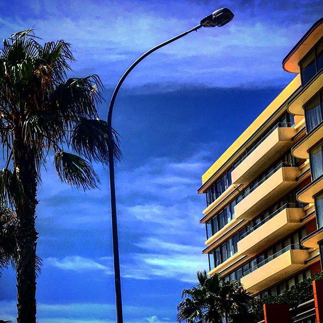 Bondi architecture. #beachlife #bondi #bondibeach #bluesky #mermaidslivehere