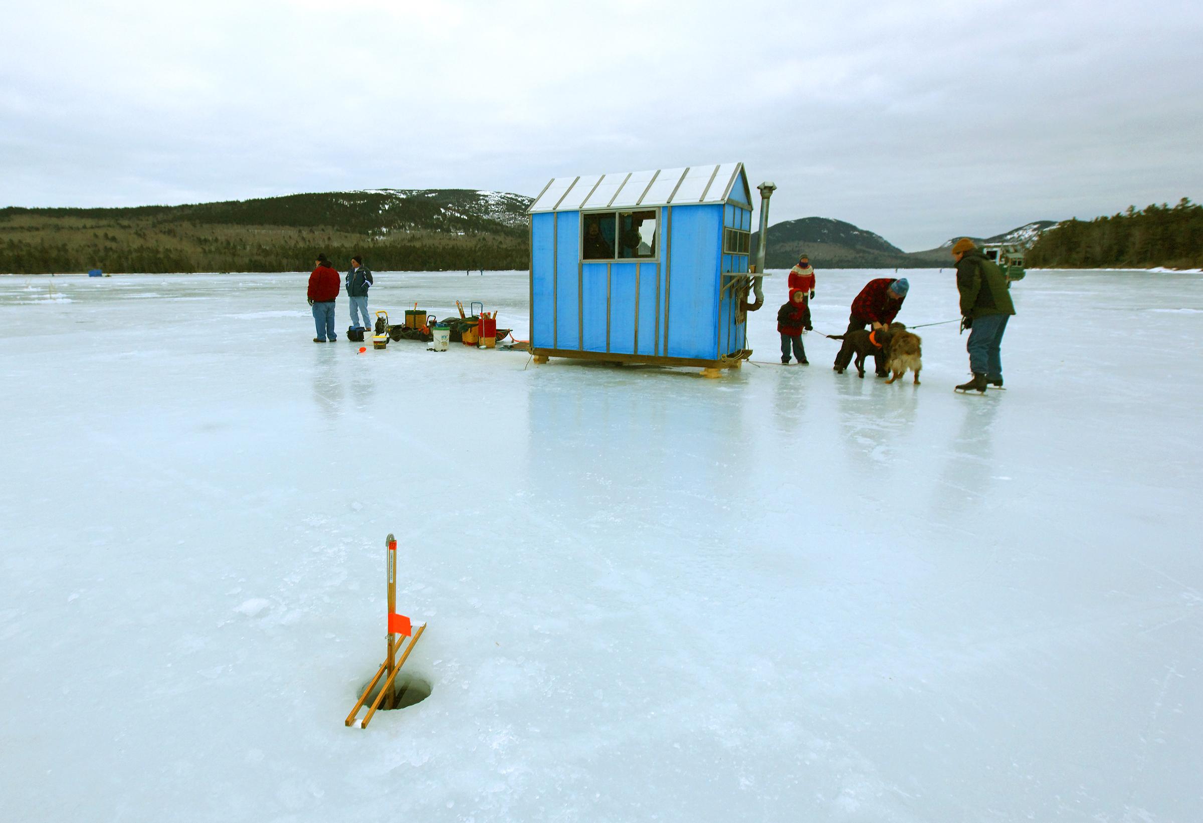 ___mainecoast-icefishing_4483sm.jpg