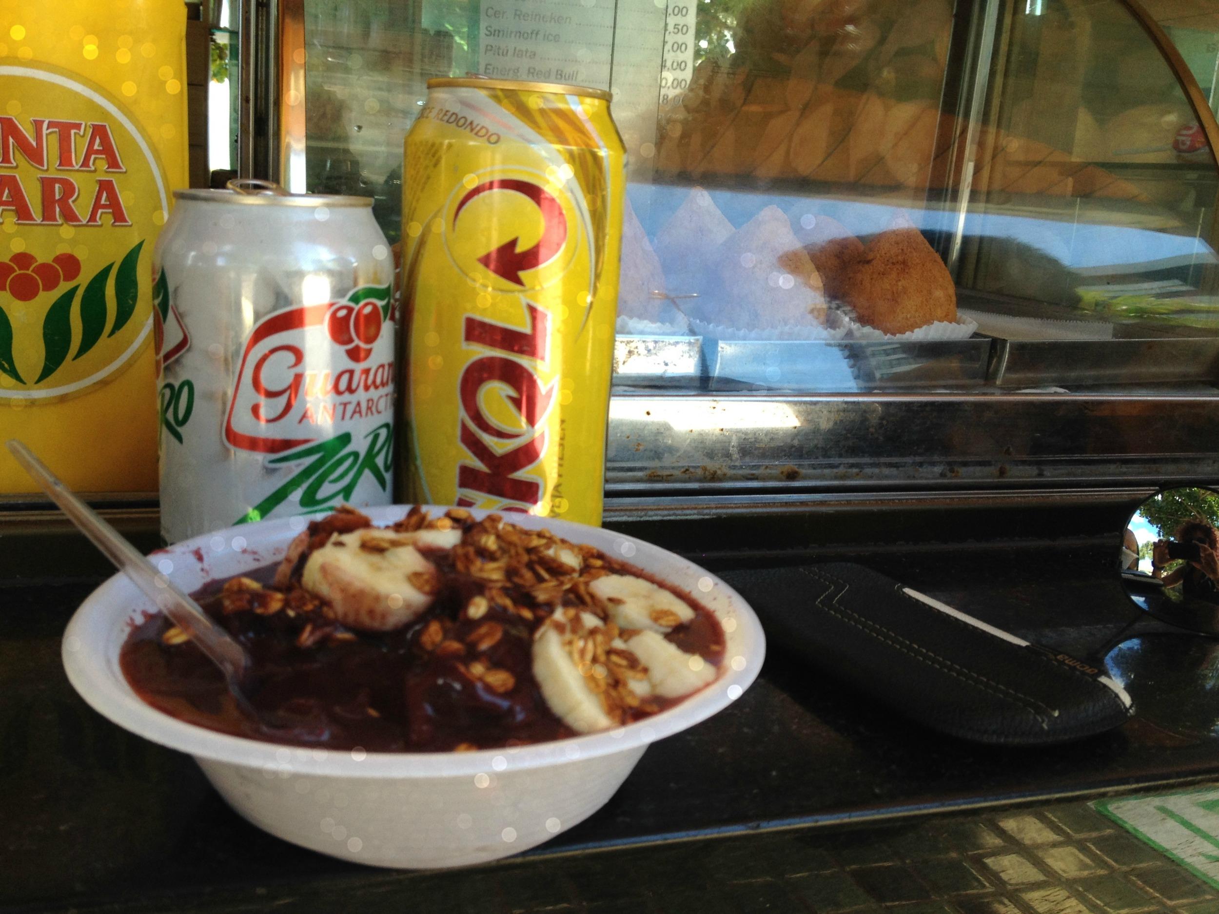 Dieta Carnavalesca: Açaí, Guaraná (soda), Skol (cerveza) y coixinha (fritura). Foto: Miosoti Alvarado