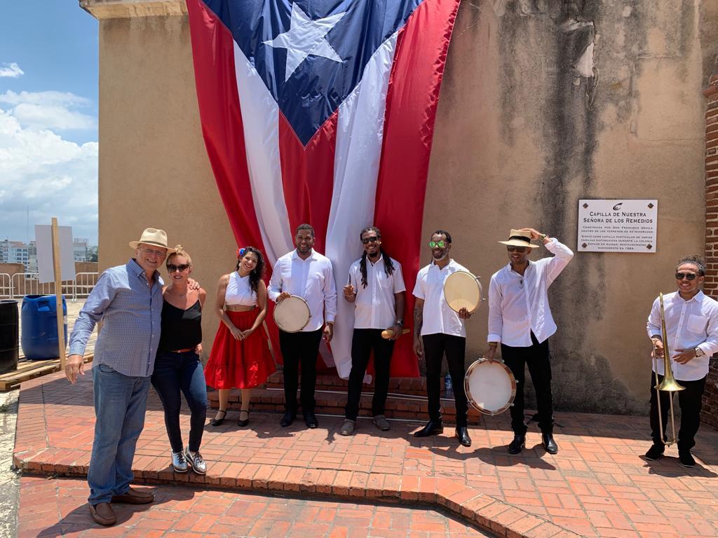 Senda Plena con mucho estilo en Santo Domingo. f. Miosoti Alvarado.