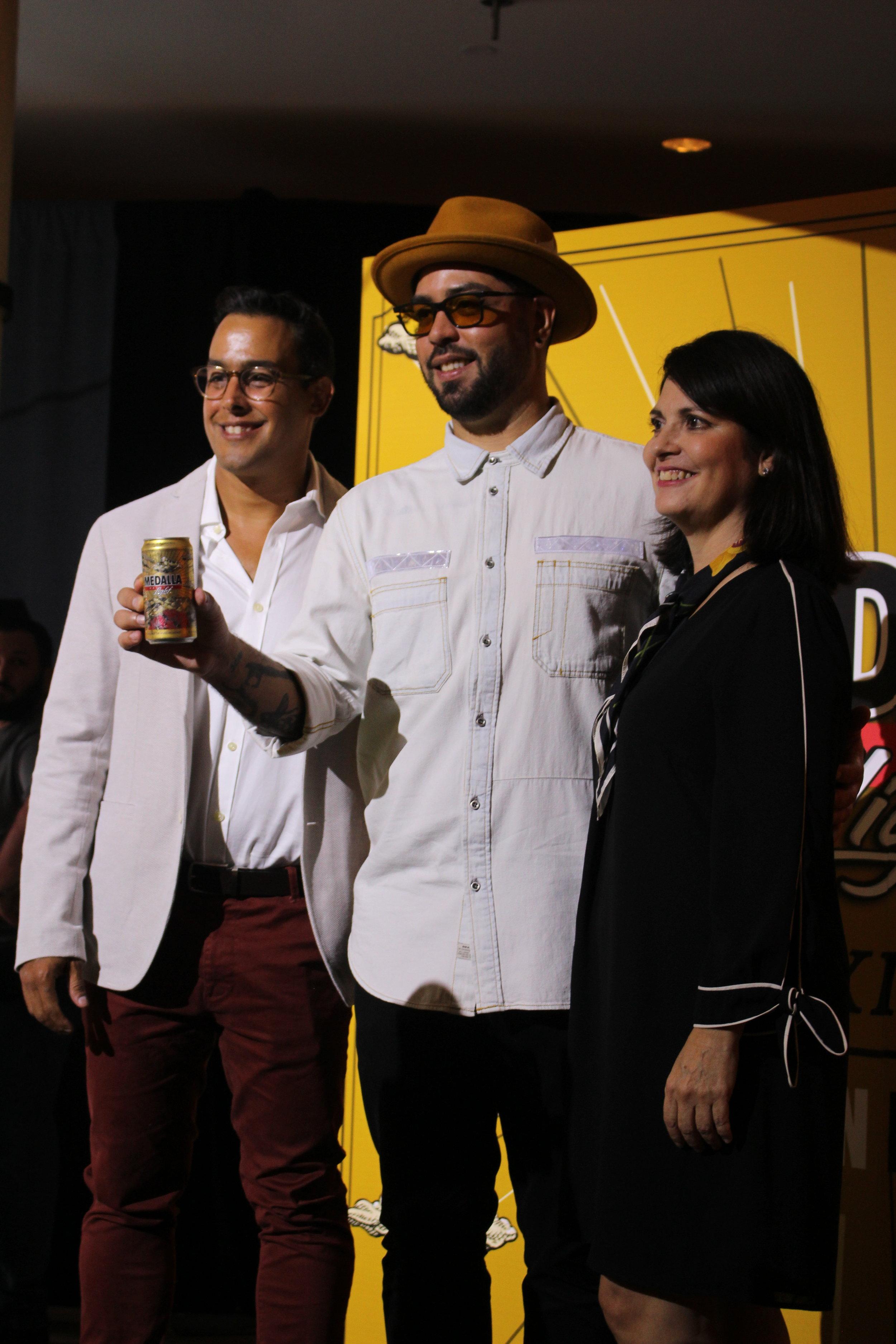 Jorge Bracero de Cervecera de Puerto Rico, Alexis Díaz y Marta Mabel Pérez del MAPR.