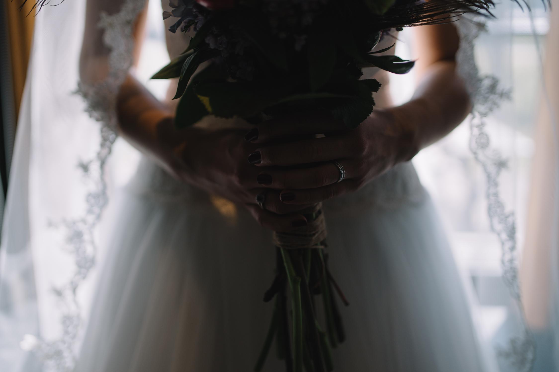 bruid bloemen bruidsfotograaf mark hadden amsterdam
