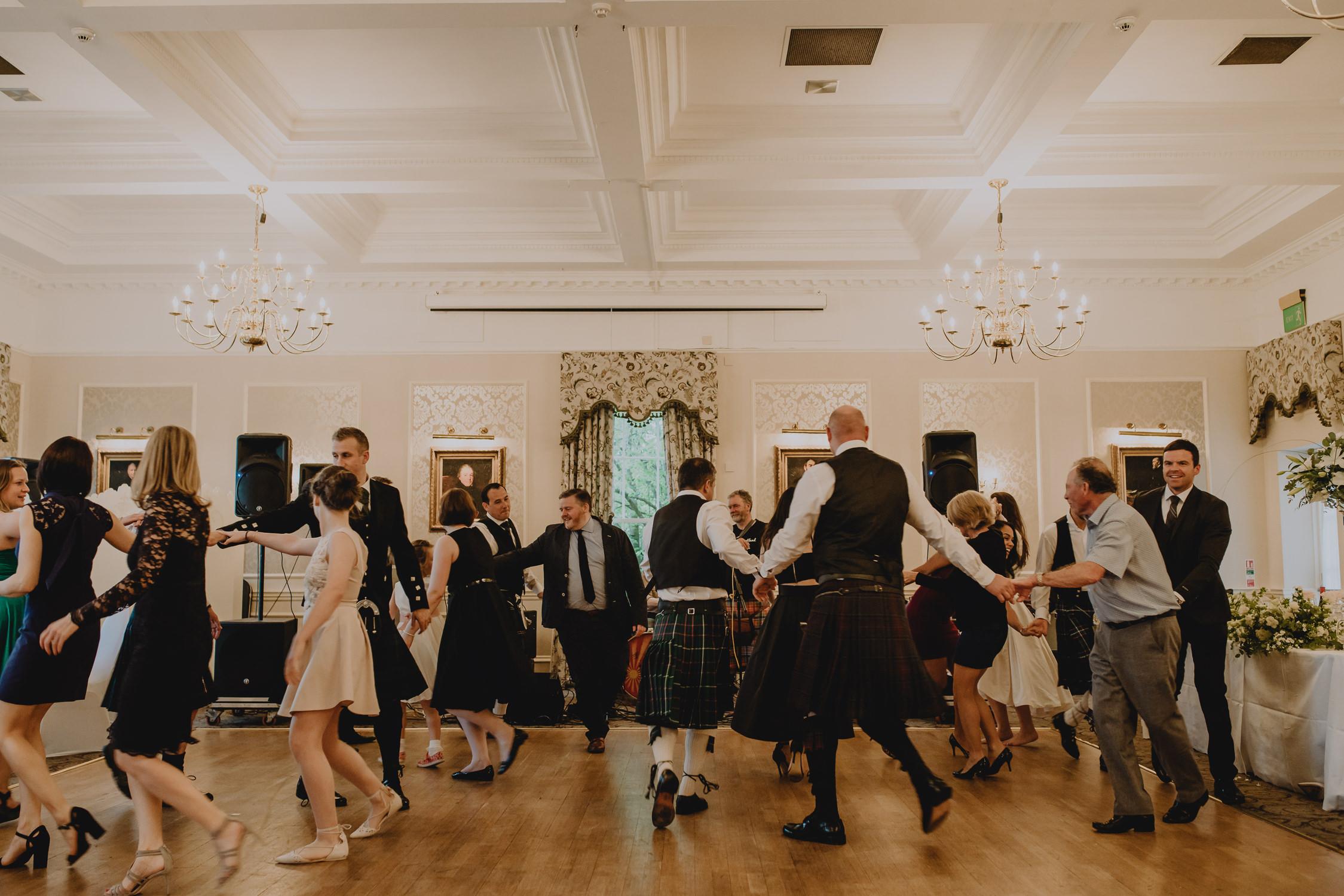 bruidsfotografie-amsterdam-utrecht--aberdeen-mark-hadden-wedding-photography-lynne-steve-273.jpg