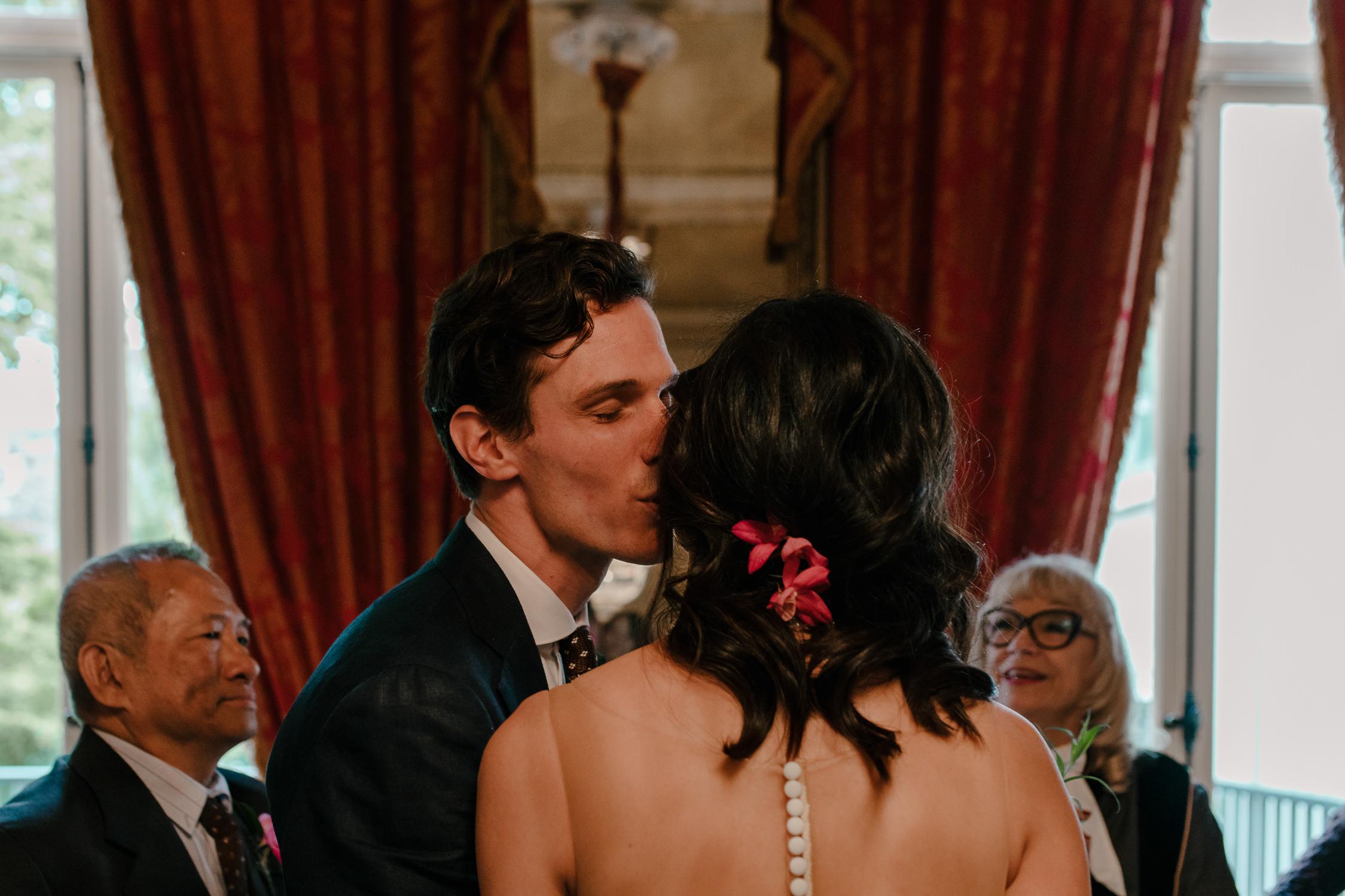 bruidsfotografie-amsterdam-utrecht-mark-hadden-wedding-photography-mike-helen-078.jpg