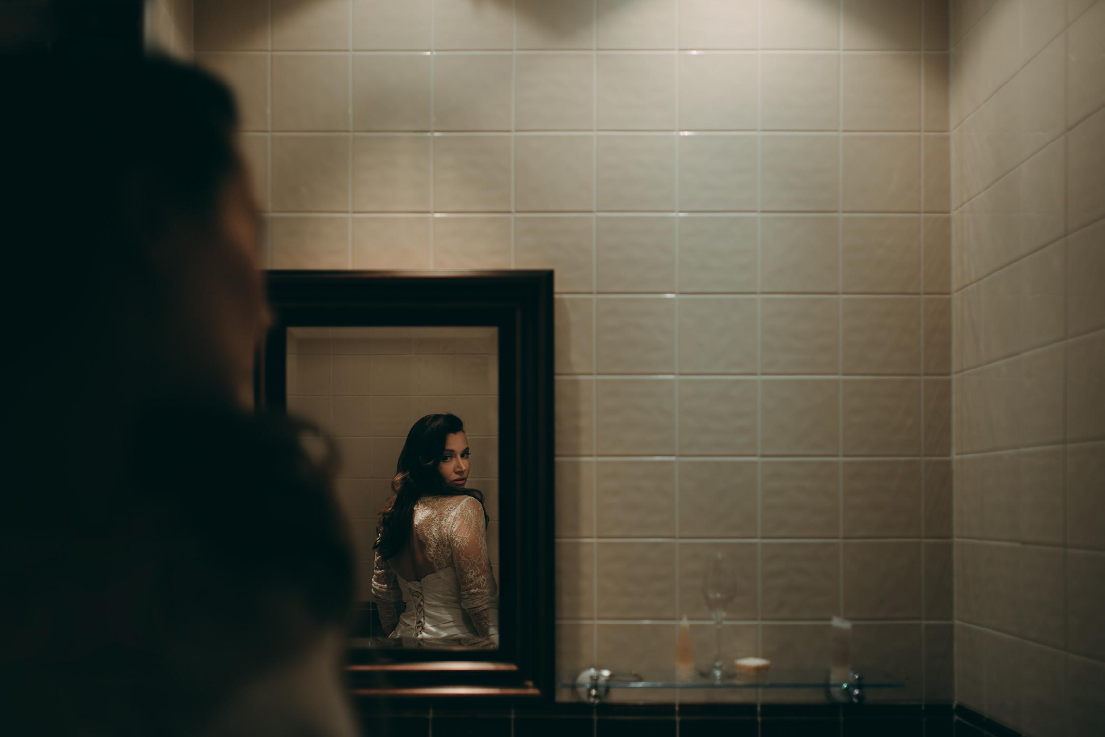 amsterdam wedding photography bride in mirror