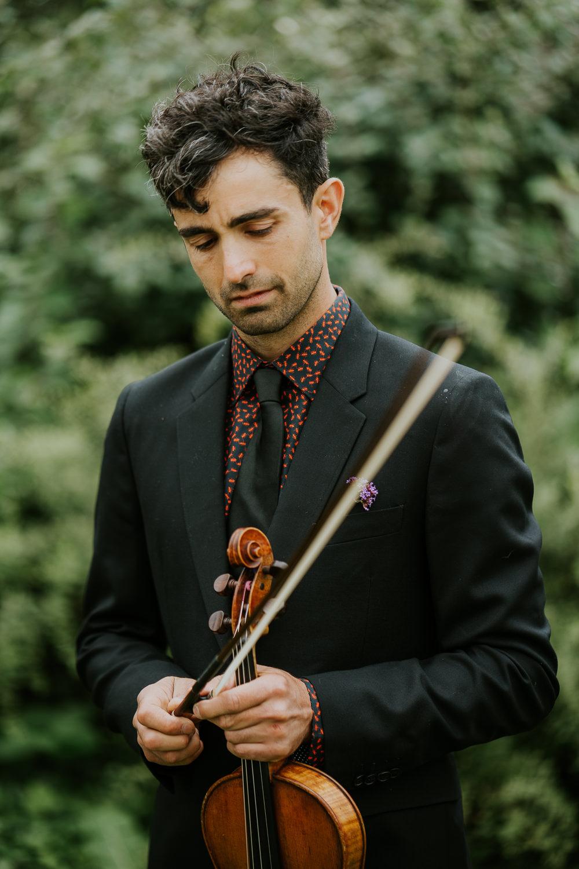 wedding violin player photography