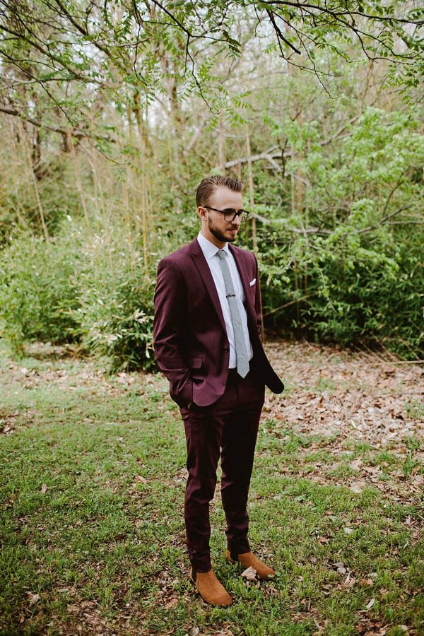 Totally-Chic-Woodland-Wedding-in-Oklahoma-City-Jamie-Jones-Photography-26-600x900.jpg