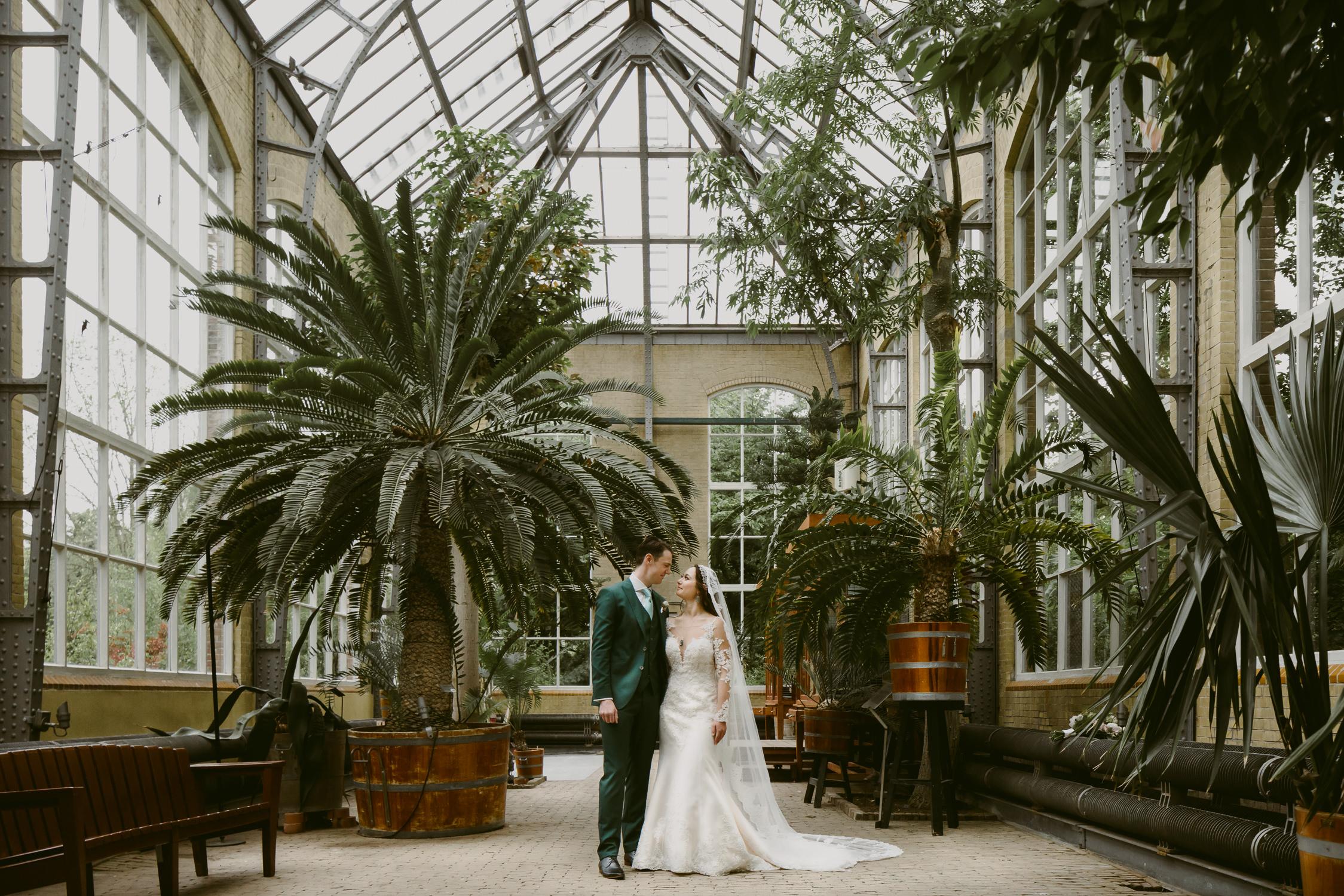 bruidsfotografie hortus botanicus amsterdam
