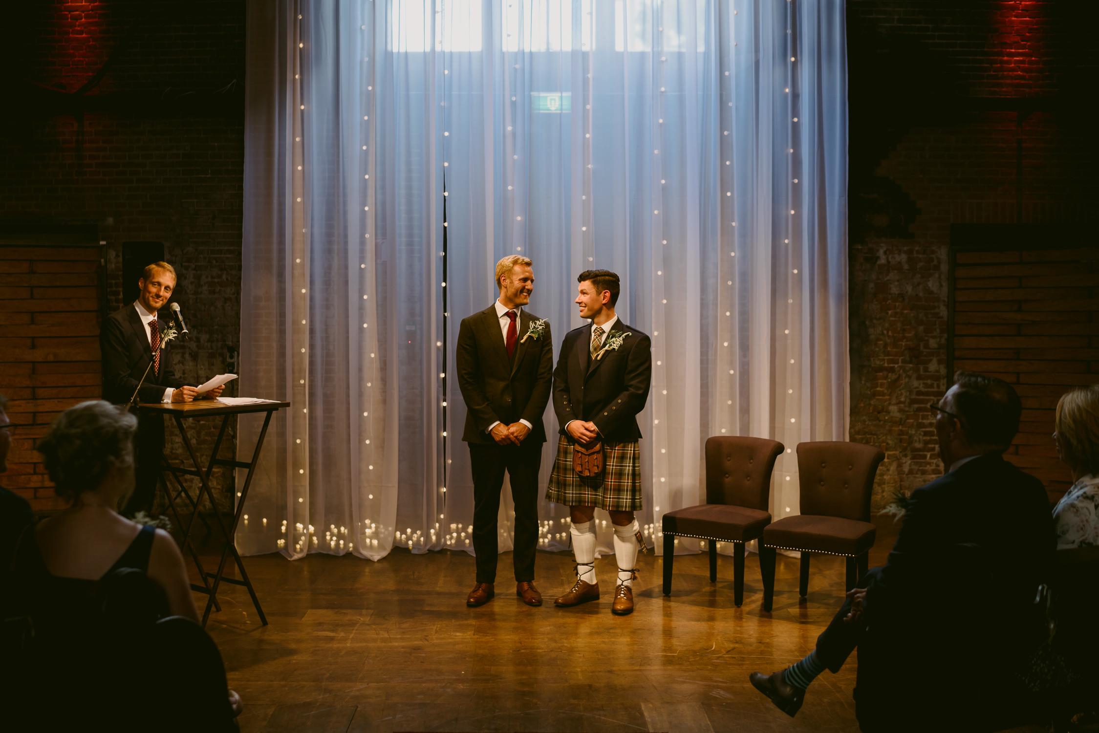 amsterdam-wedding-photographer-trouwfotograaf-bruidsfotograaf-mark-hadden-bruidsfotografie-David & Ronald-187.jpg