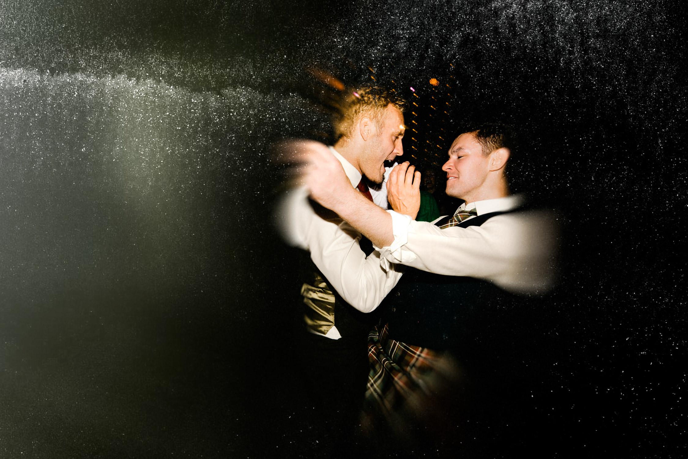 wedding couple dancing in Westergasfabriek amsterdam