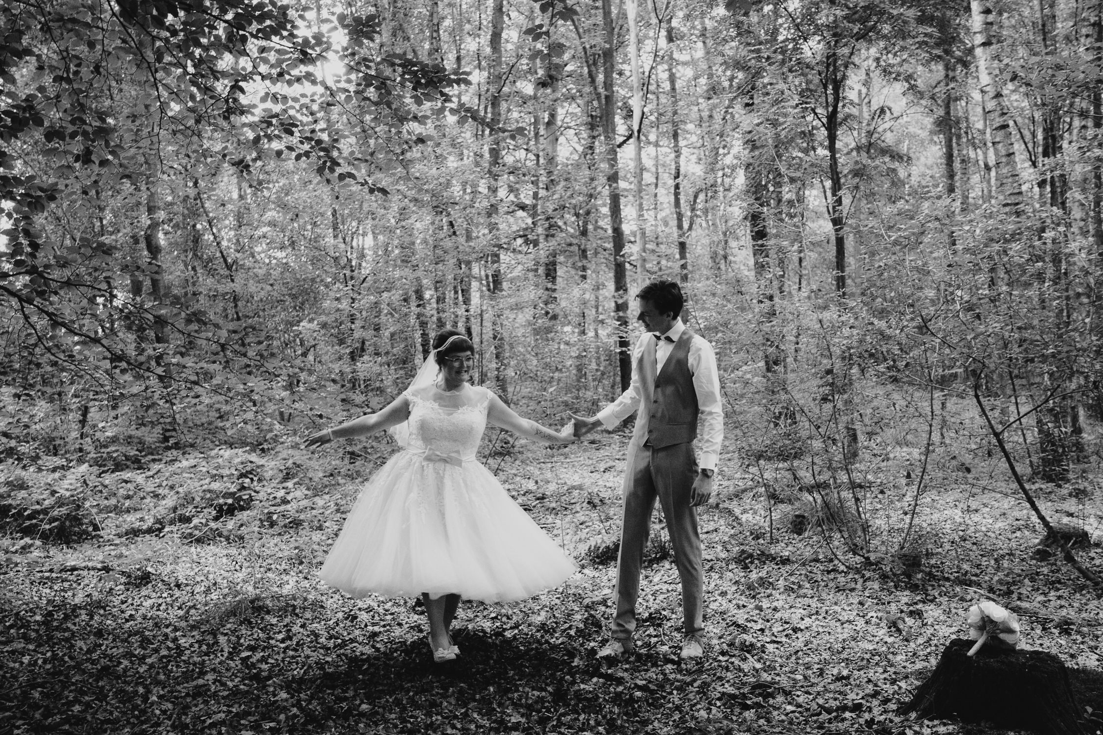 bridal couple in the forest, best wedding photograhers amsterdam, mark hadden