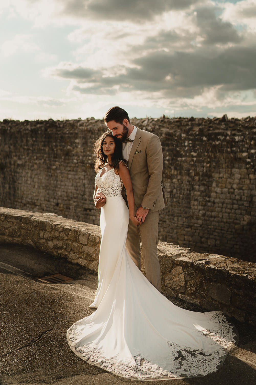 amsterdam wedding photographer mark hadden in tuscany with a couple at civitella in val di chiana