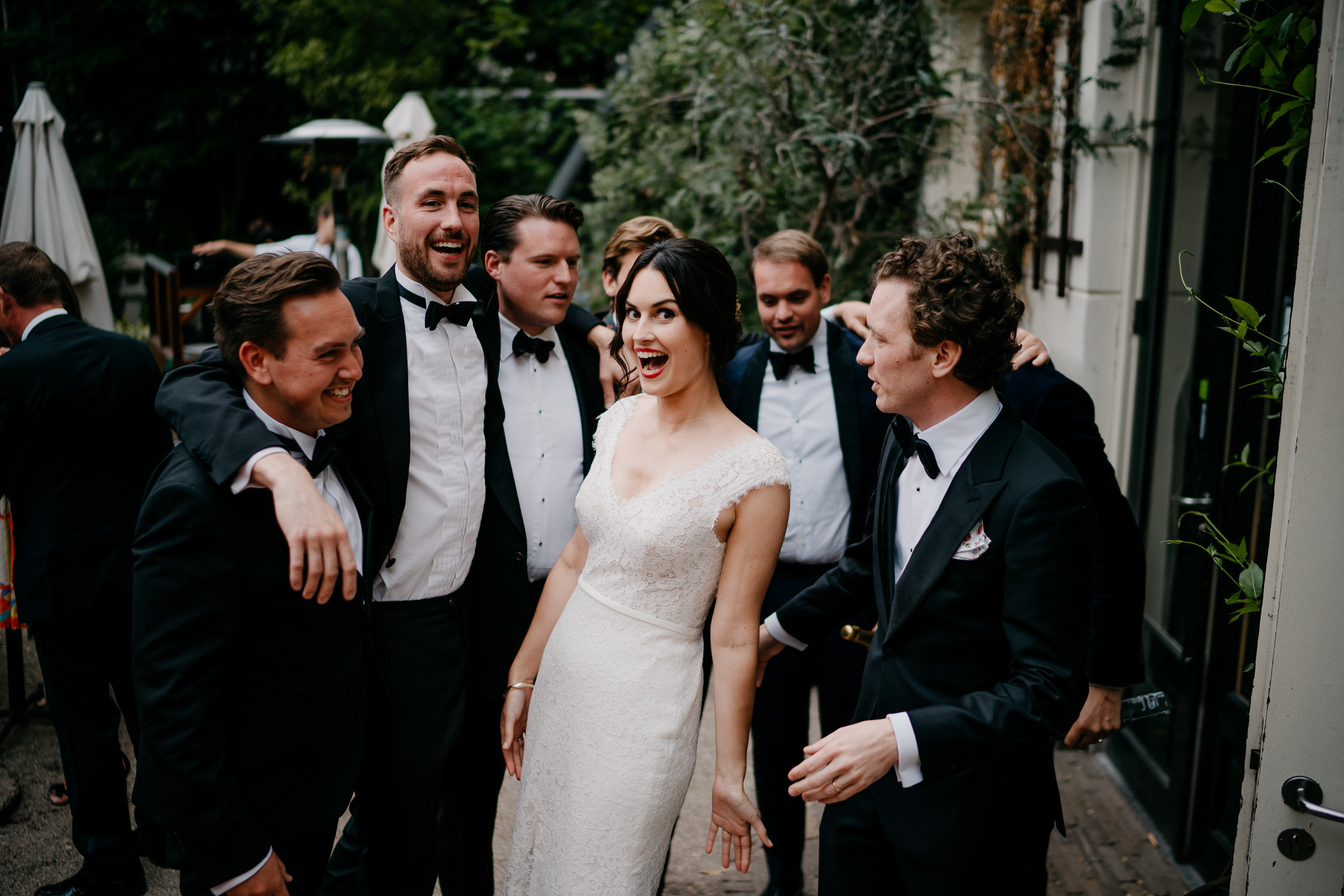 trouwfotografie amsterdam mark hadden amsterdam wedding photographer wedding party photo