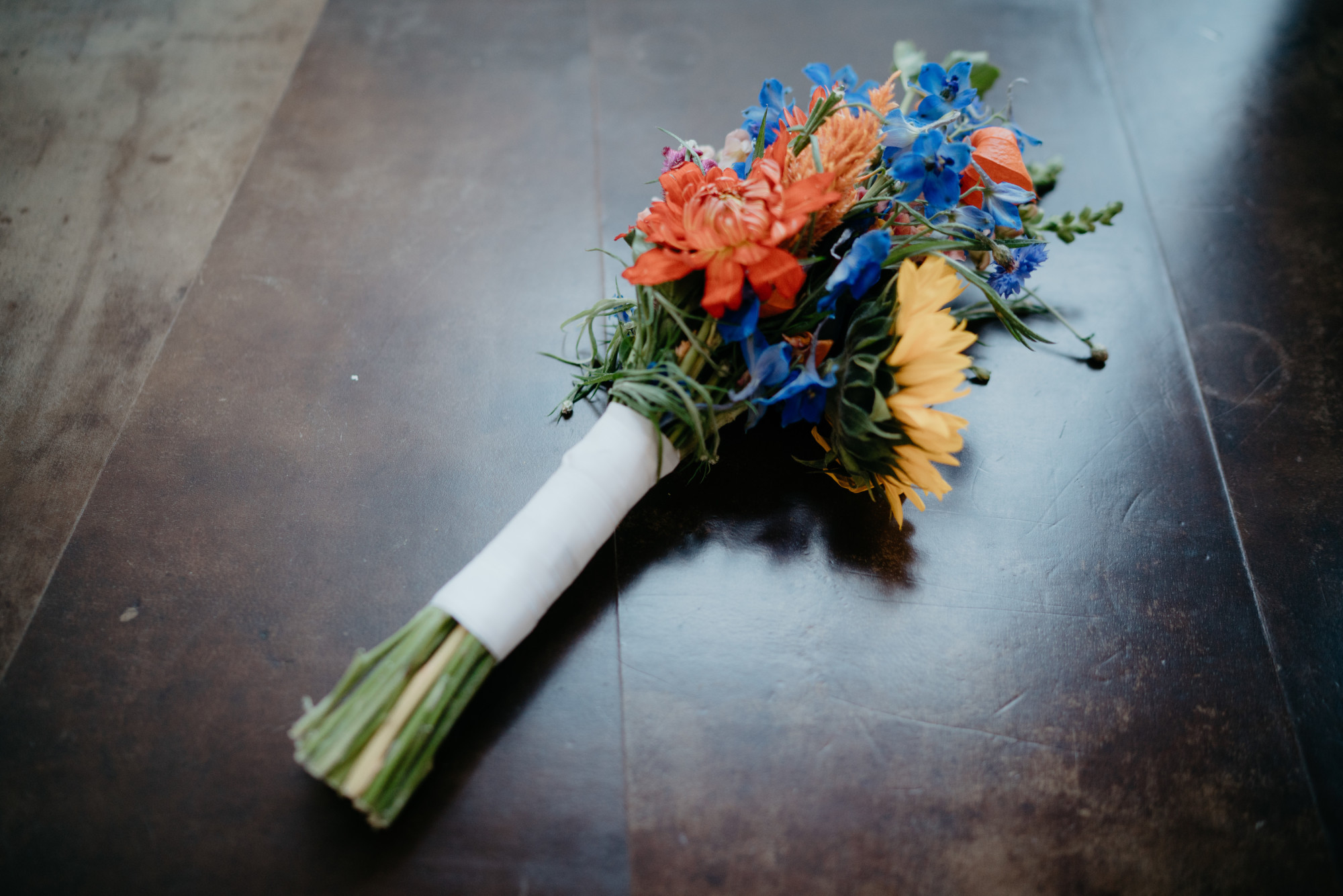 Cheap flower wedding decoration idea's photography by mark hadden