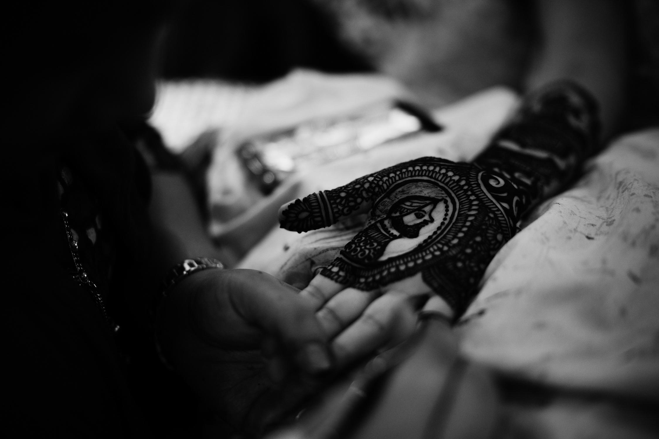 indian wedding tradition henna photography