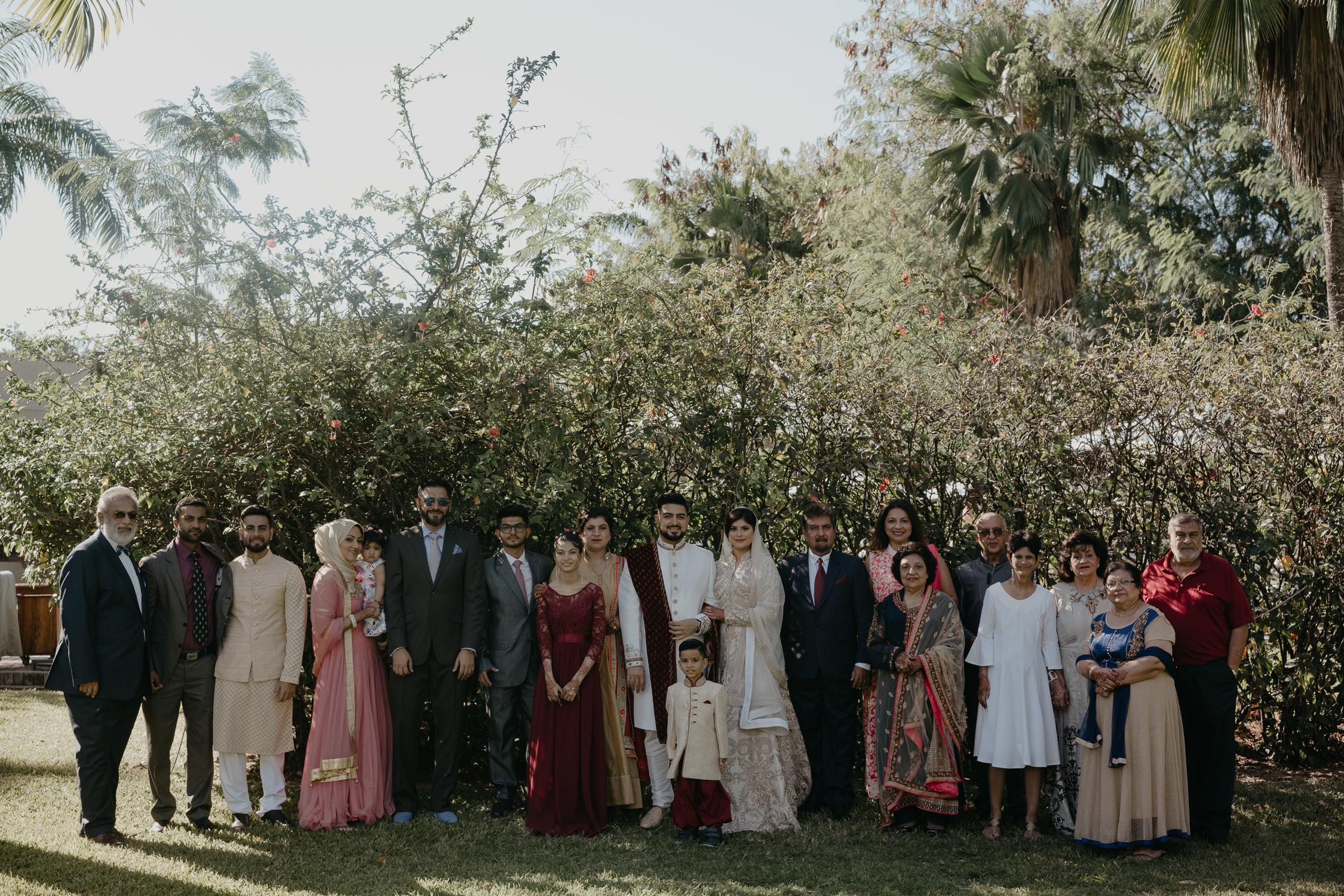 groepsfoto huwelijksfeest tanzania