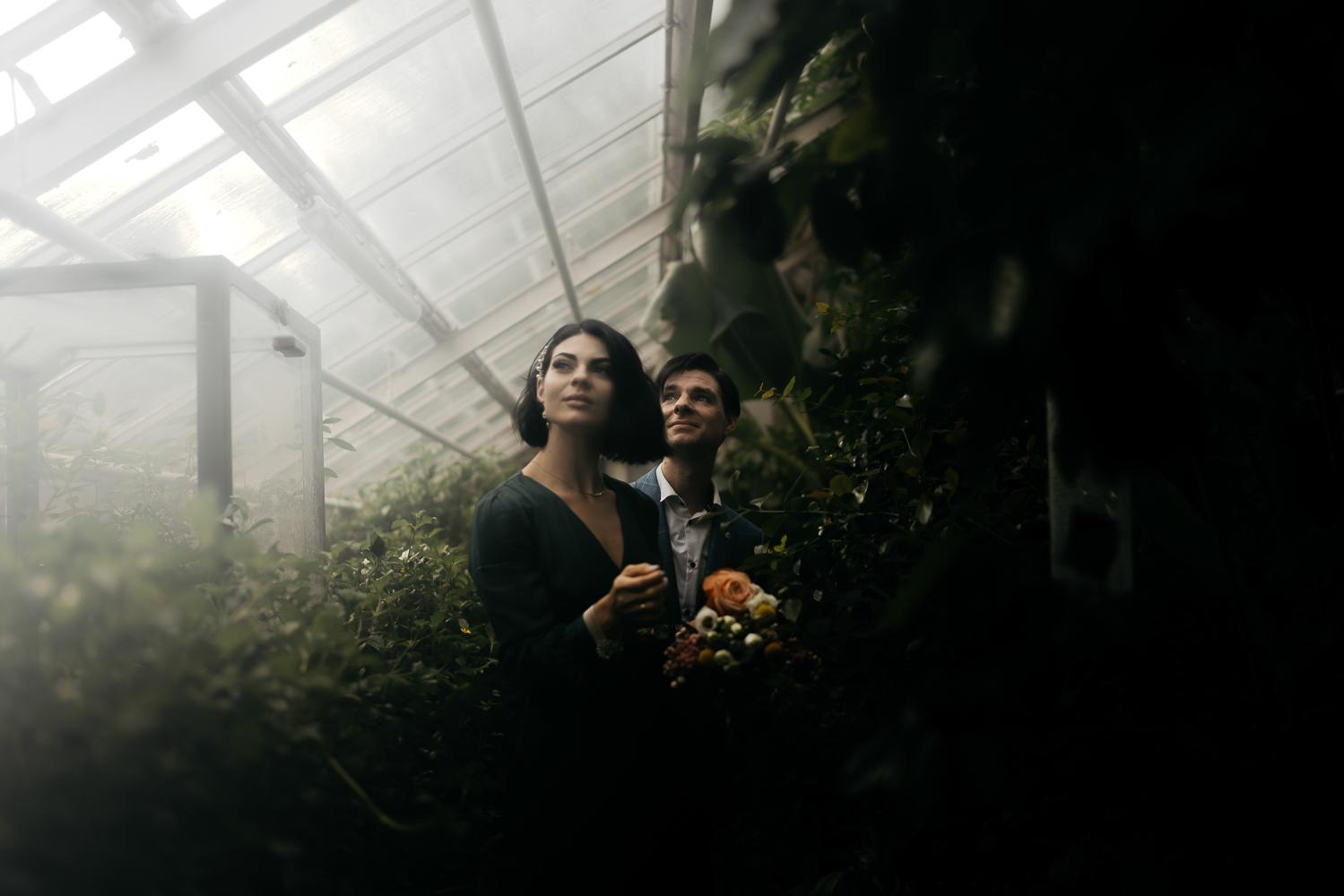 couple photography botanical garden amsterdam