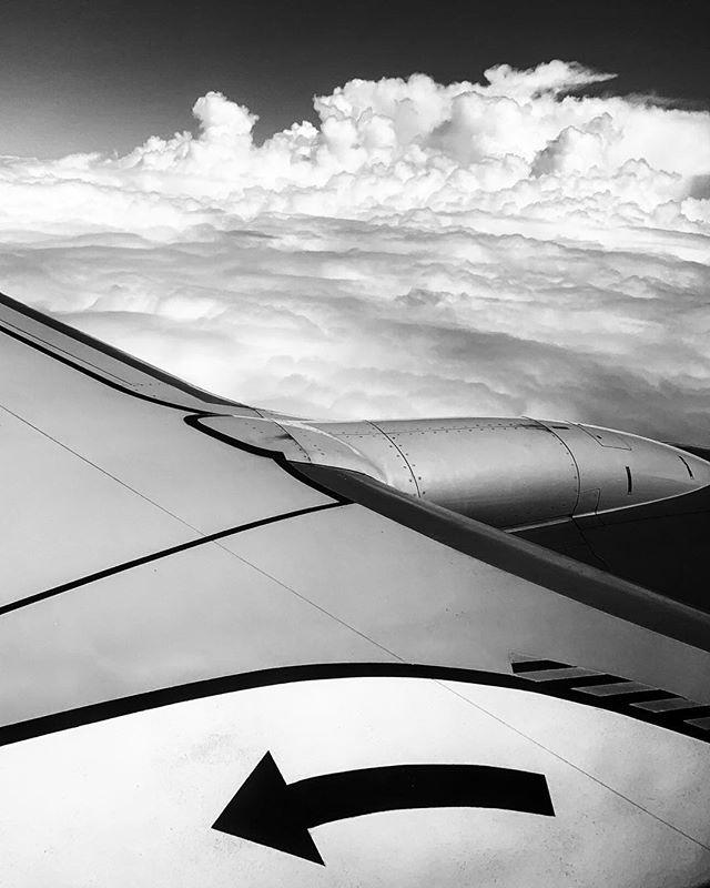 Southwest into Houston #flight #lookout thewindow #beautyineverything #casualobserver #michaelbarleyphoto #lovewhatido #southwestairlines #windowseats #skyisthelimit
