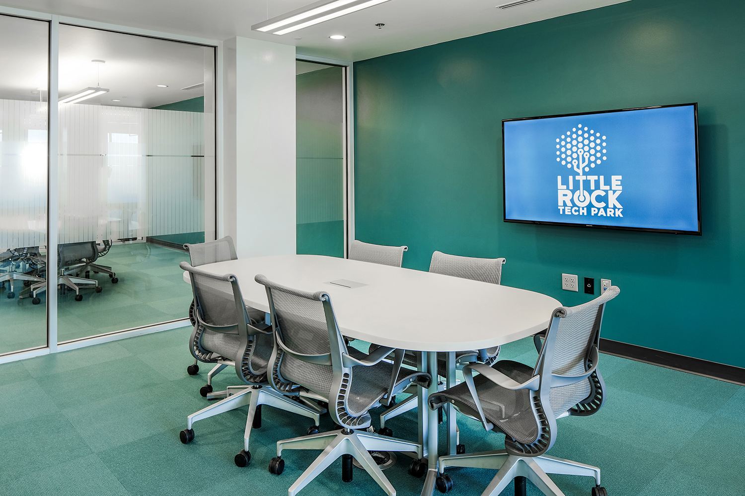 Interiors_Design_Commercial_3.JPG