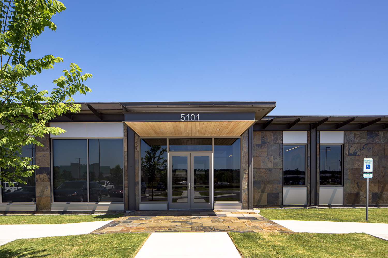architectural-commercial-exteriors-coulson-oil5.JPG