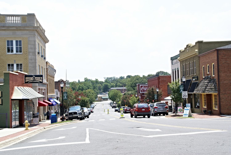 Main Street, downtown Belmont