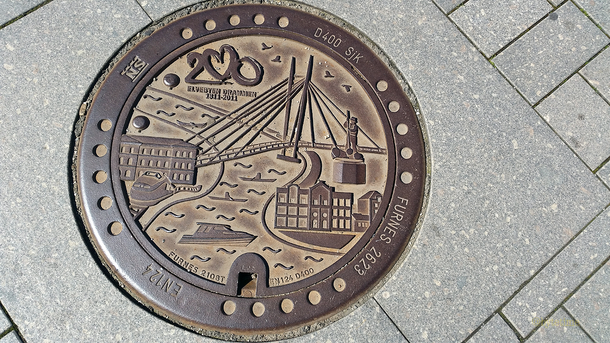 Drammen drain cover, Photograph by Tracey Benson 2016 .