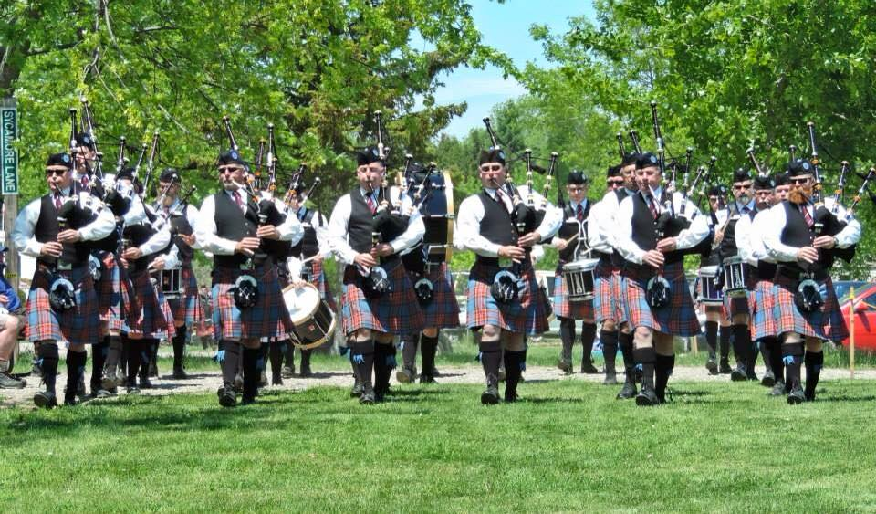 Marching up to the line, Kingston Scottish Festival, 2015